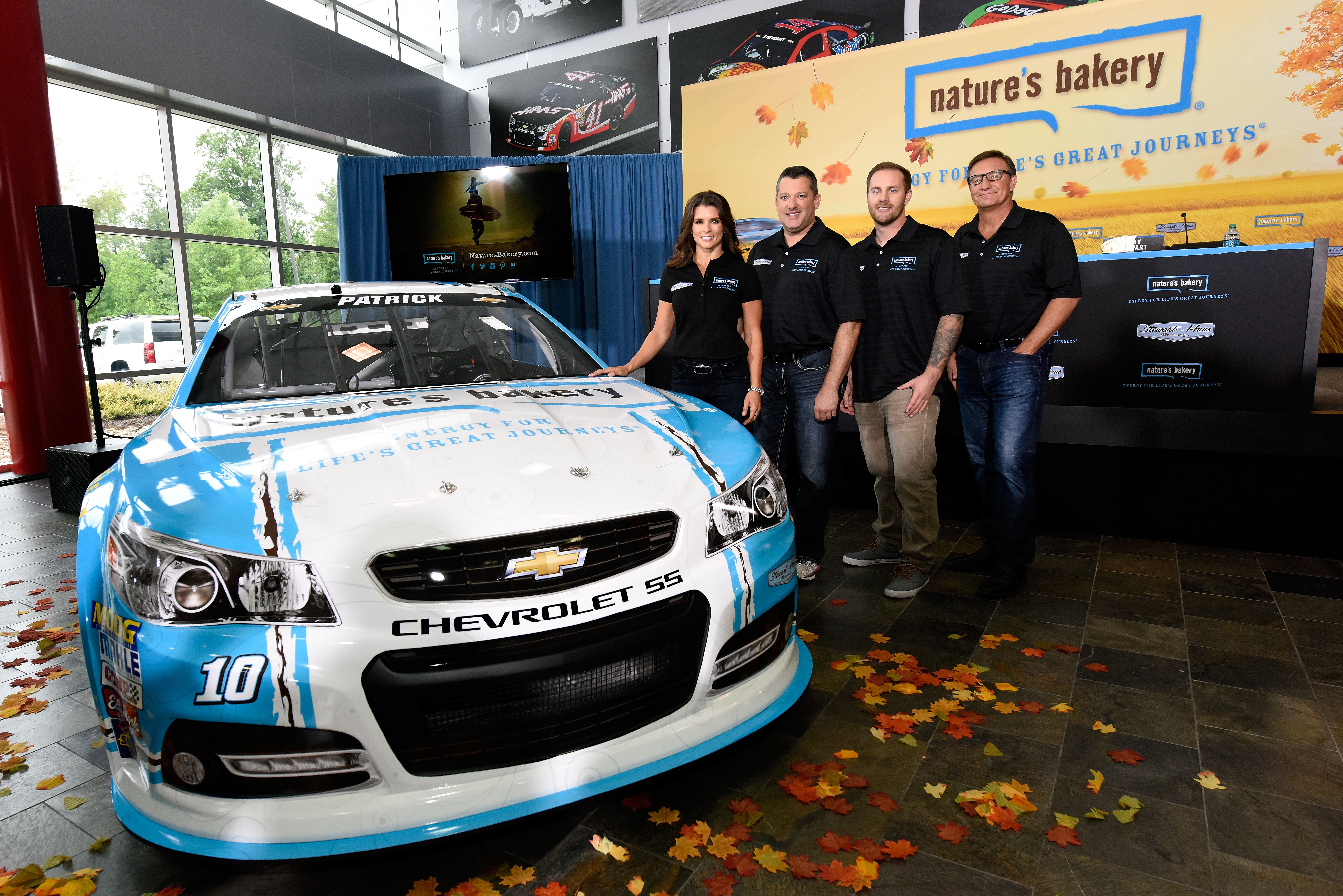 Danica Patrick signs contract extension with Stewart-Haas Racing, Nature's Bakery will sponsor No. 10 car