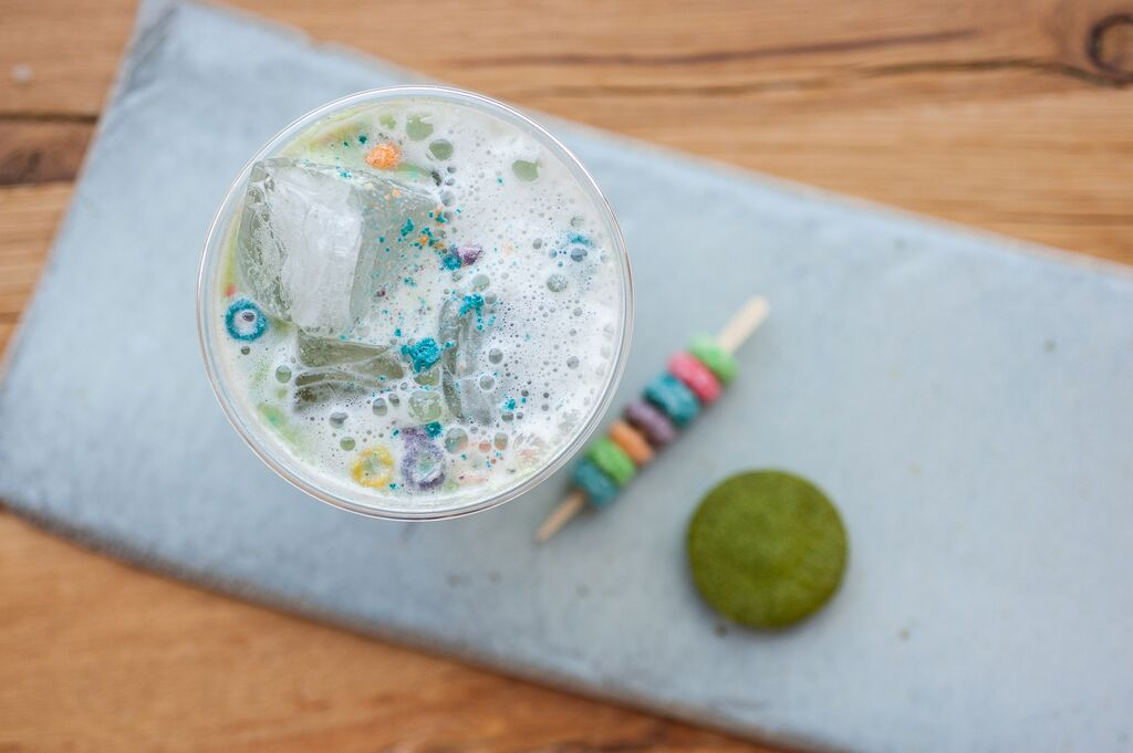 How to Make 4 Excellent Iced Matcha Drinks (Including One With Froot Loops!)