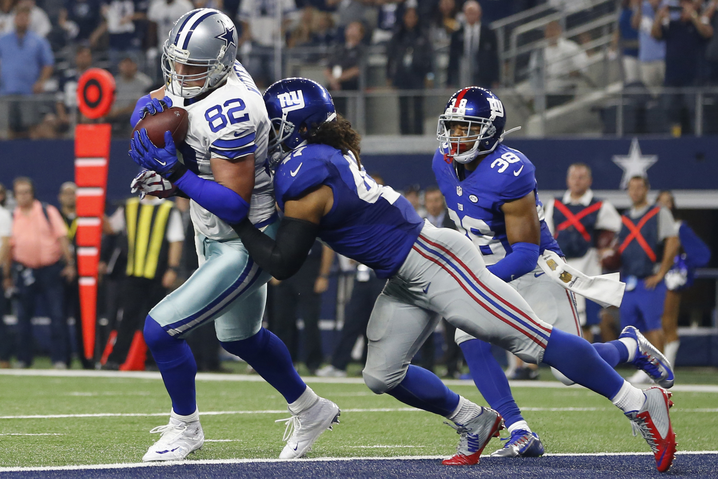 Jason Witten scores the game-winning touchdown with seven seconds to go.