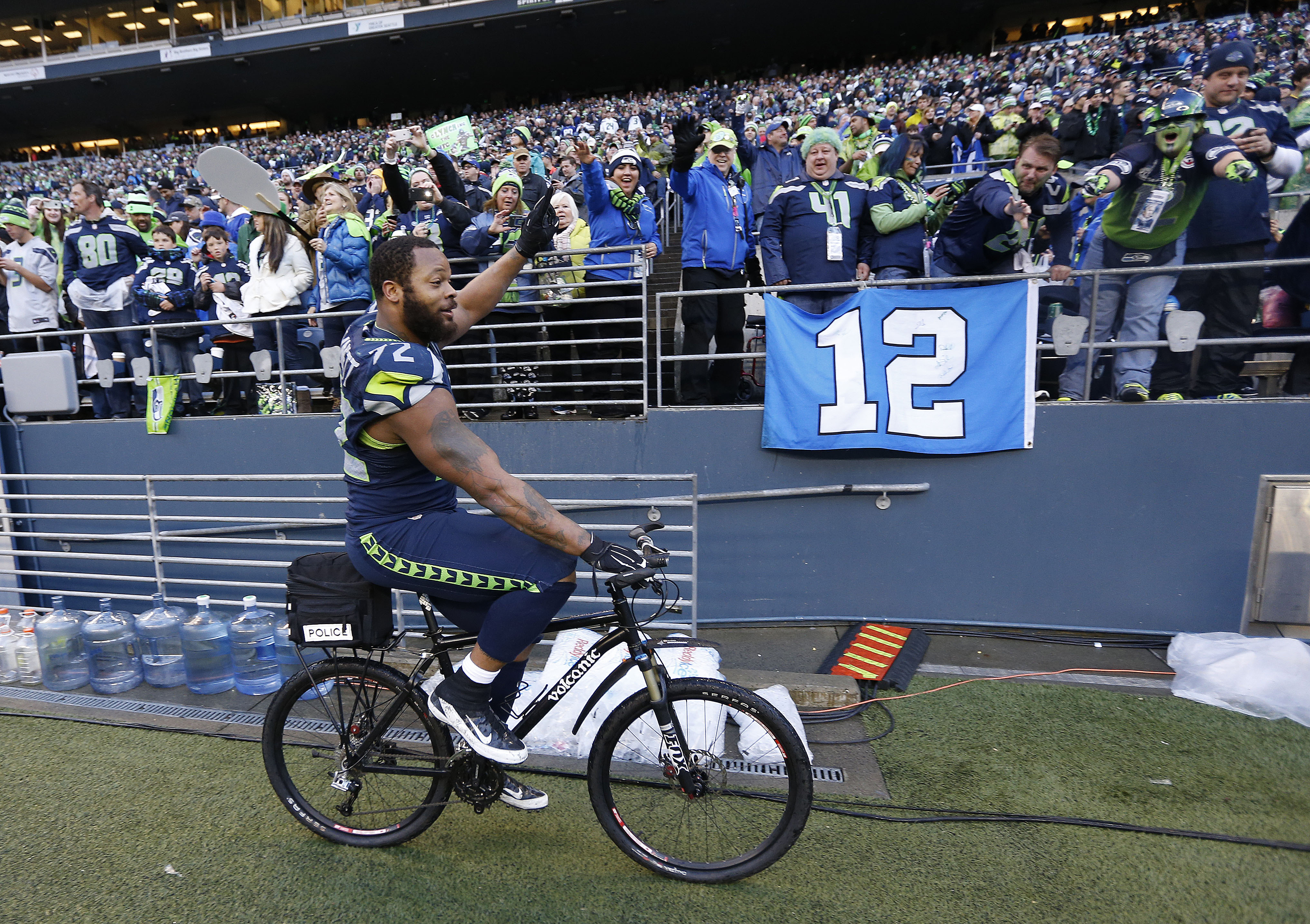 Impromptu Awkward Bike Rides: Bennett 1, Rodgers 0