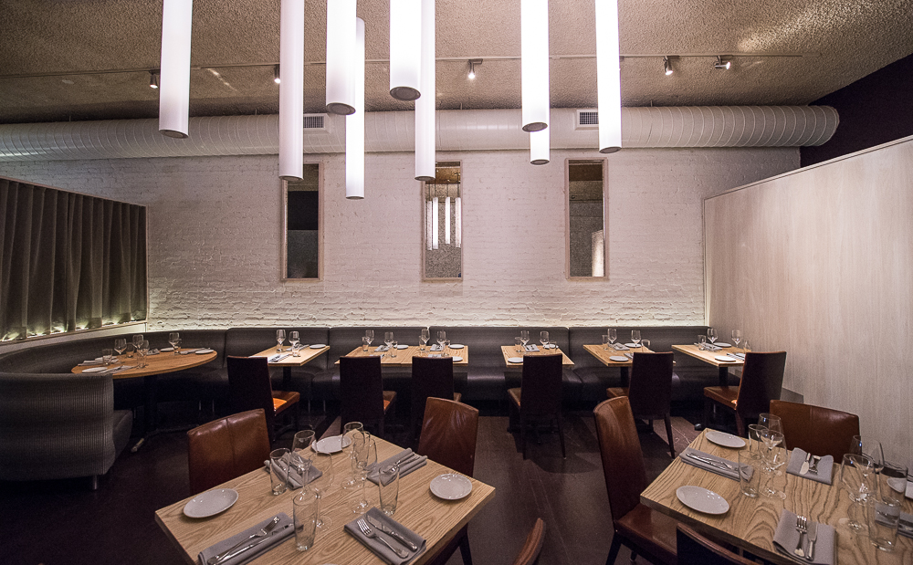 [The dining room at Elan. Solid Wednesday night dinner choice.]