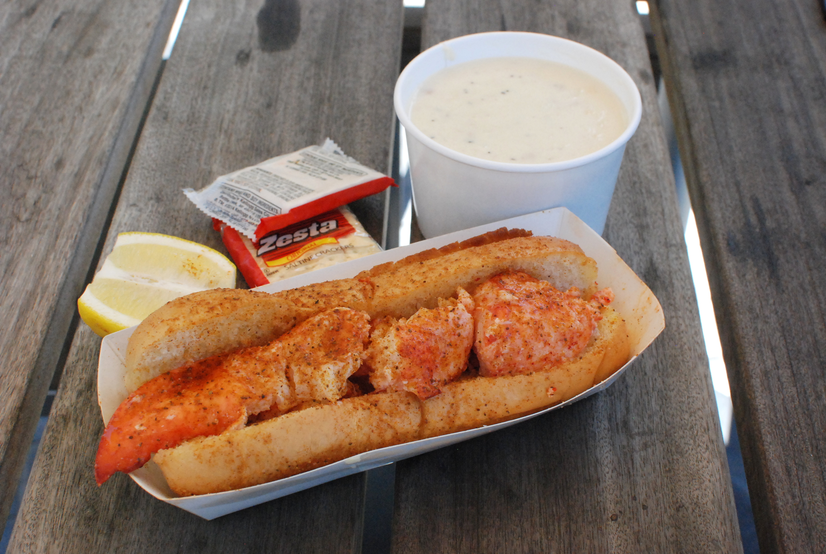 Mu's Lobster Roll and Clam Chowder