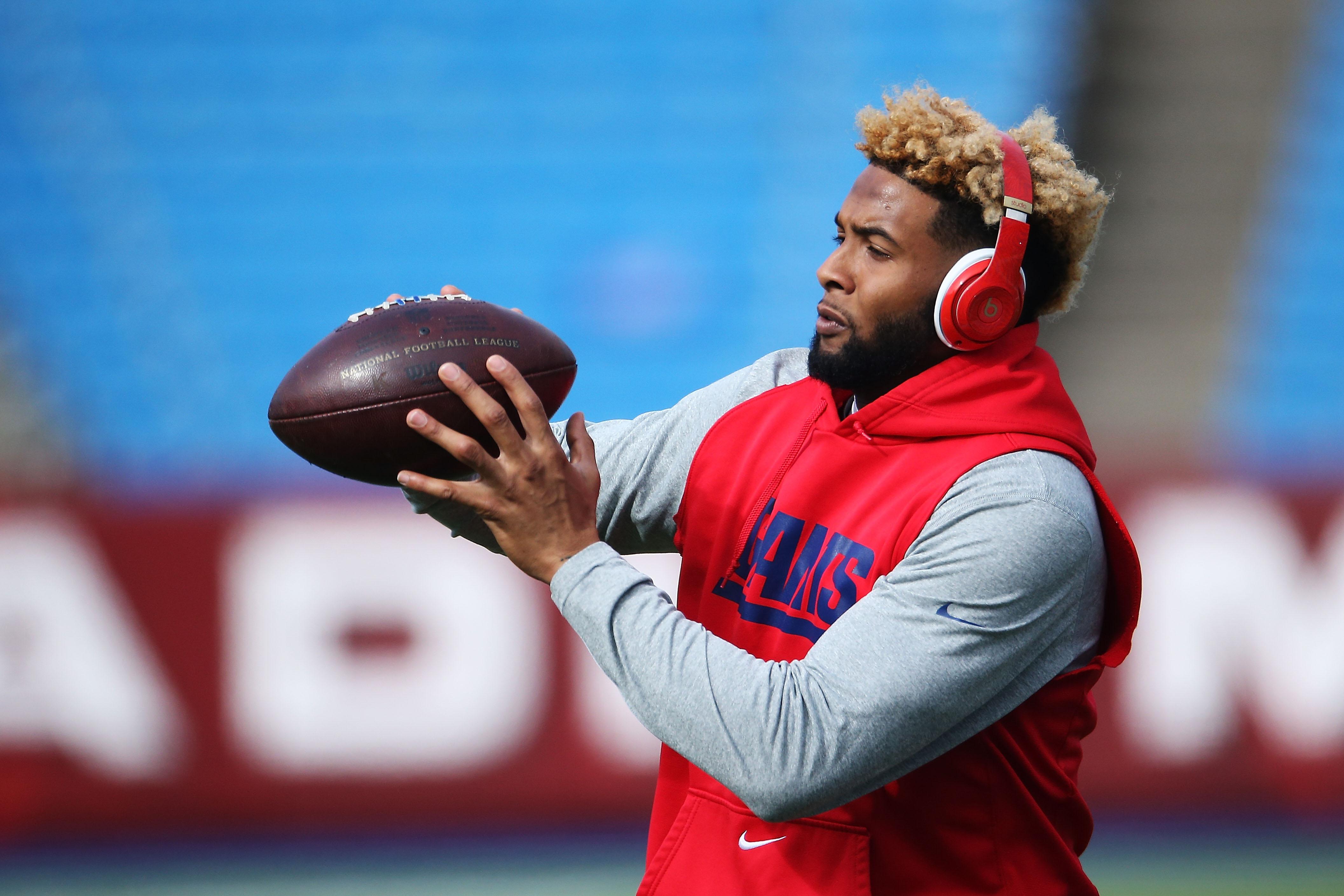 Odell Beckham Jr. warming up for Giants-Bills