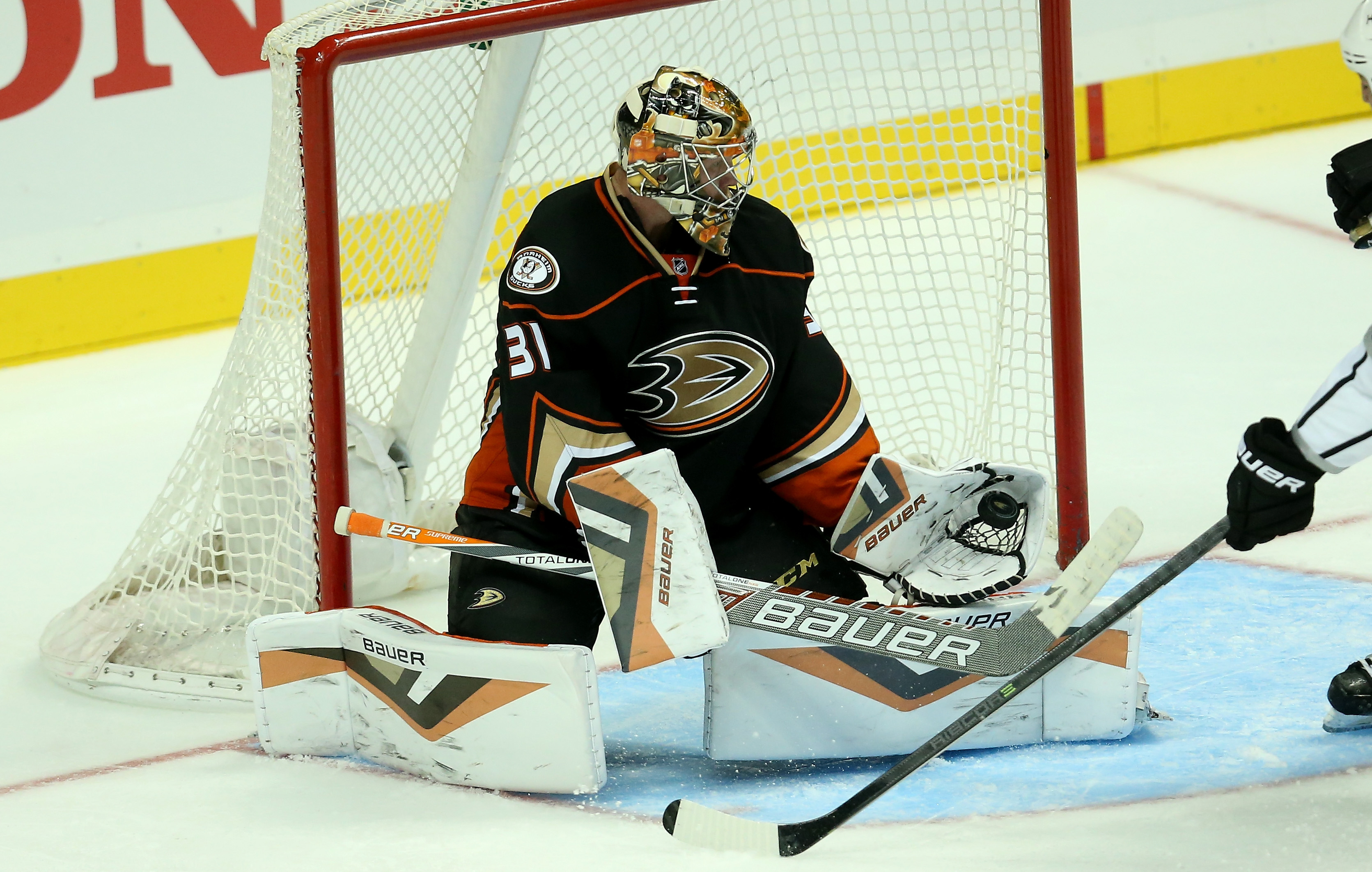 Frederik Andersen and his new pads will once again be leading the charge between the pipes for Anaheim this year.