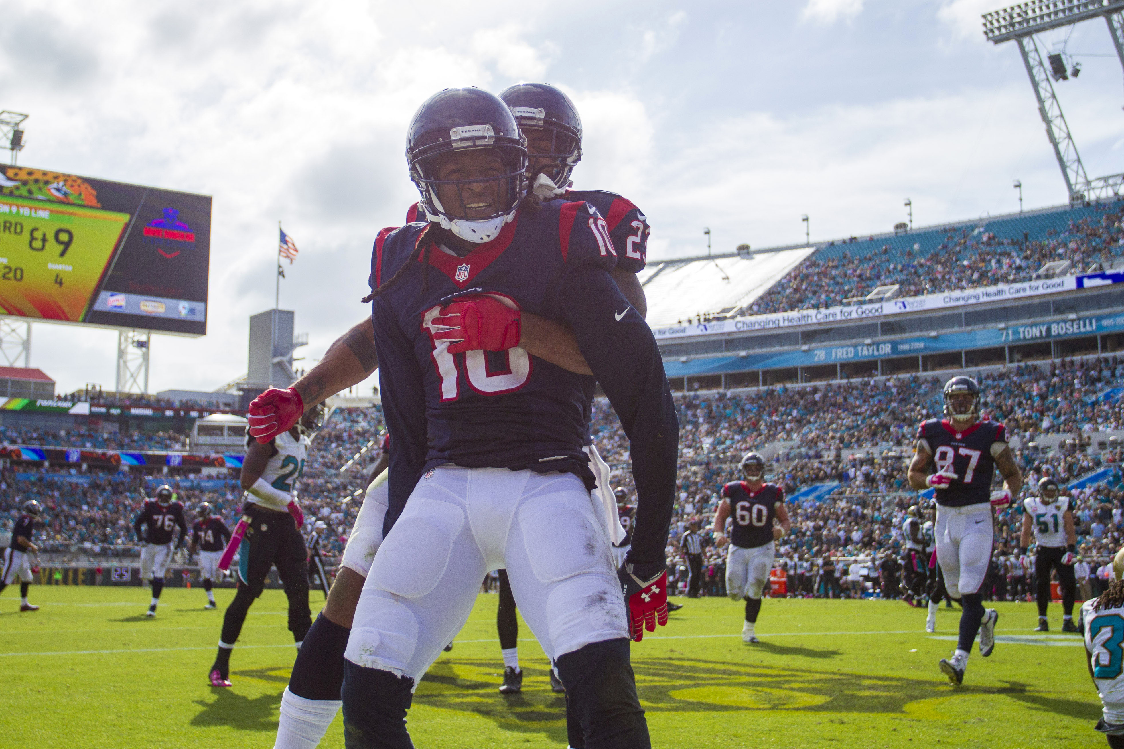 DeAndre Hopkins is so good, he has time to spoon while catching touchdowns.