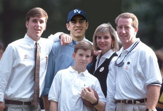 Switched At Birth: Peyton Manning and Aaron Rodgers