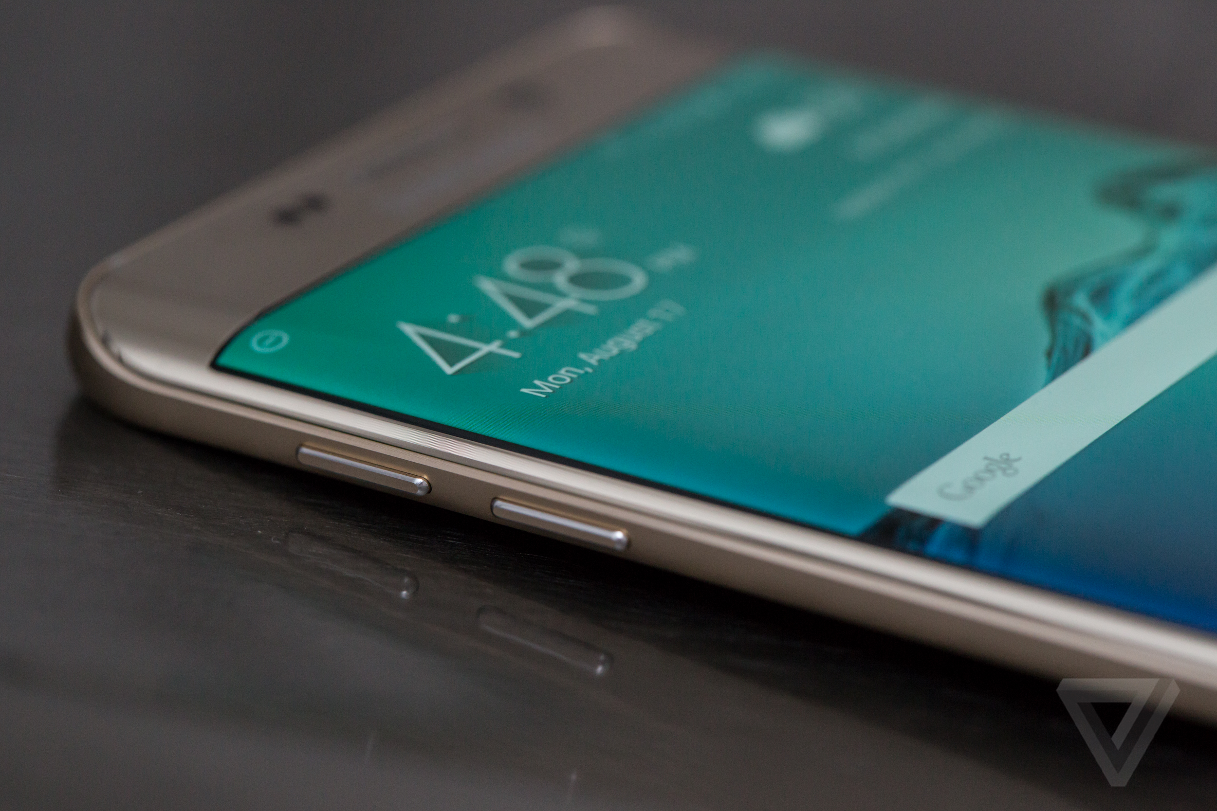 Samsung takes free giveaways to the extreme to boost Galaxy sales