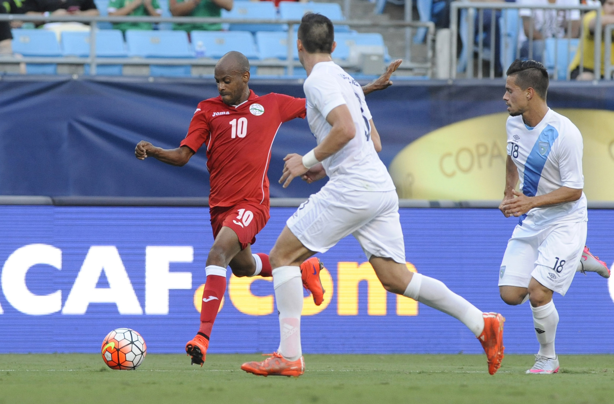 Ariel Martinez lines up a shot in the 2015 Gold Cup as a member of the Cuban National team.
