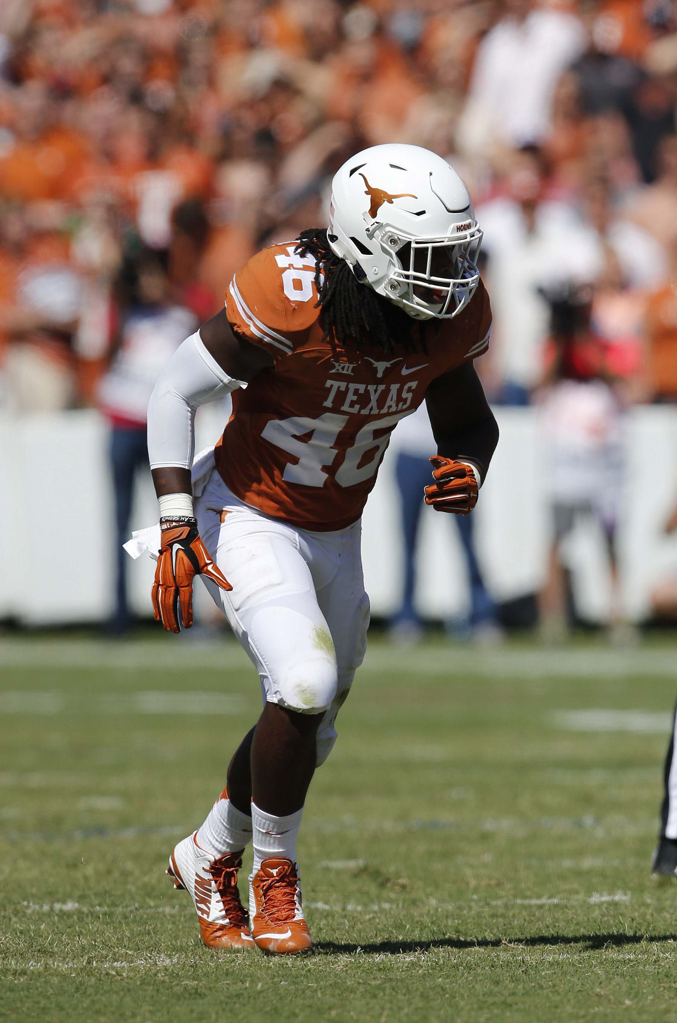 You knew we weren't getting through a college football season without a gratuitous picture of Malik Jefferson.