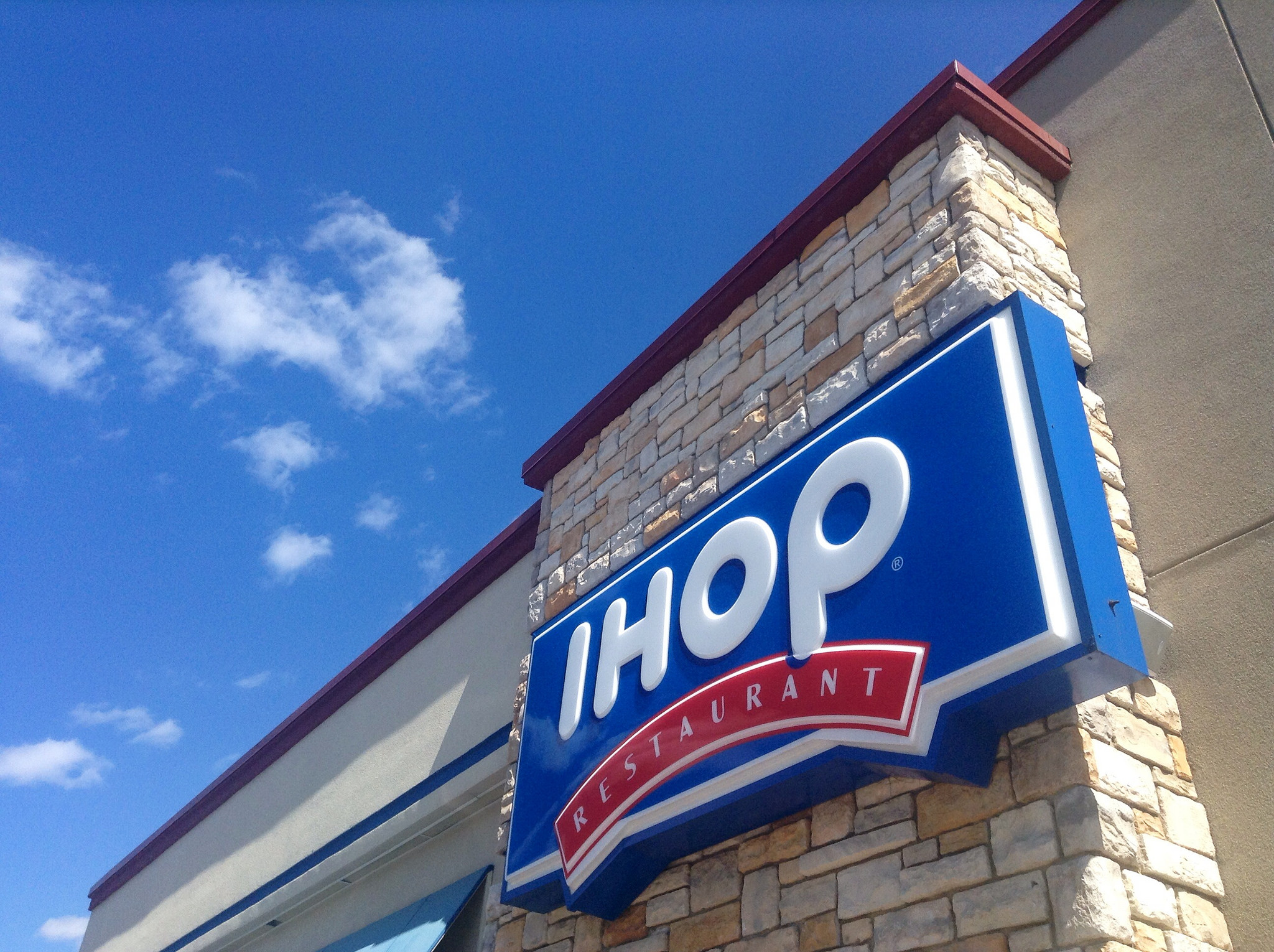 Mysterious Hole at IHOP Parking Lot Swallows 12 Cars