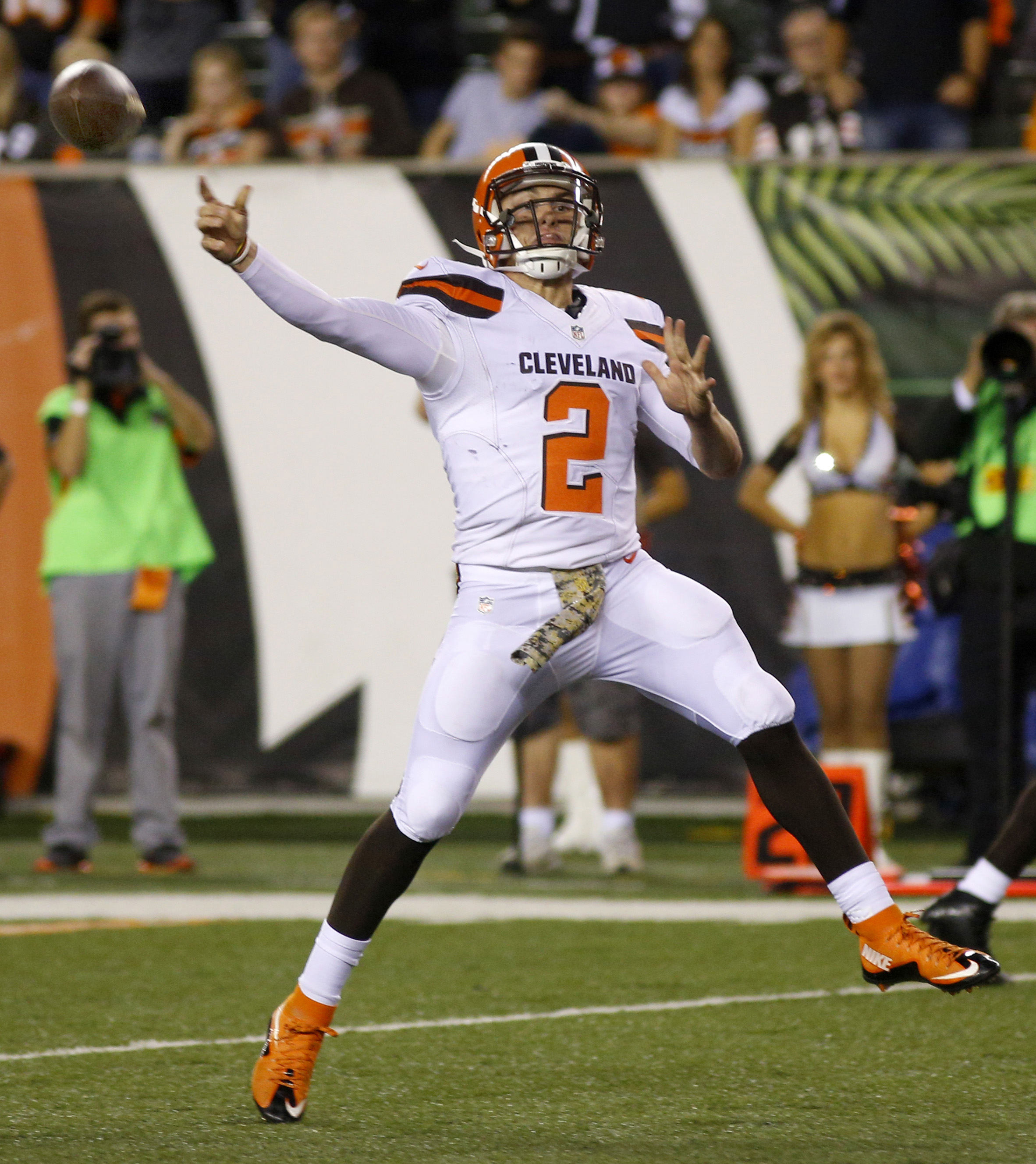 Browns expected to start Johnny Manziel against Steelers