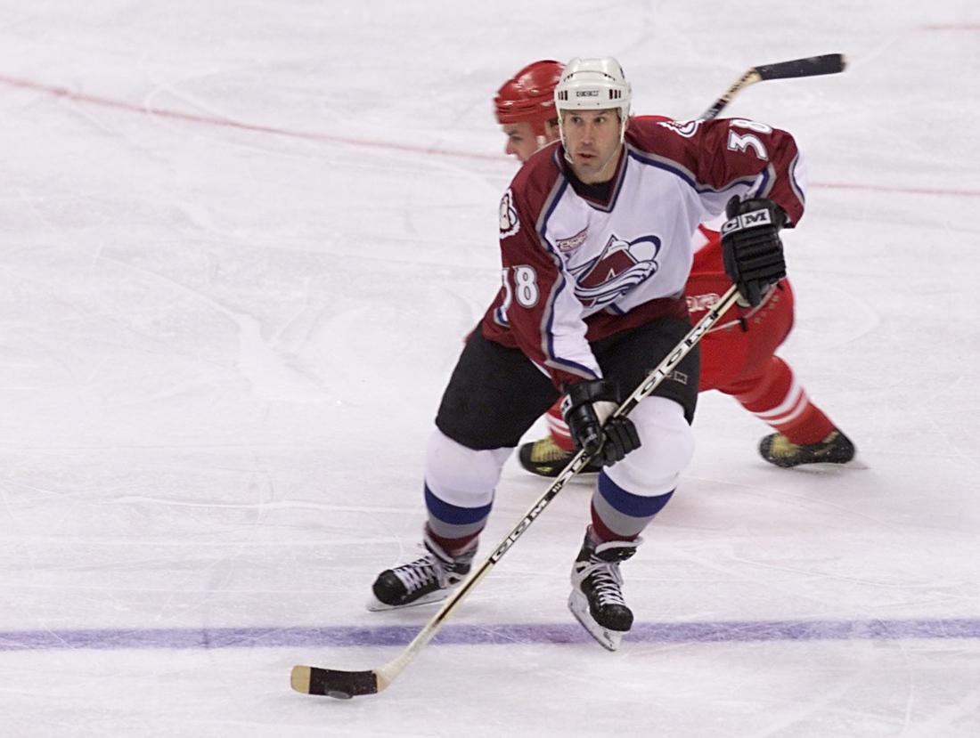 Dave Andreychuk heads up ice...really, really sloooooooowly