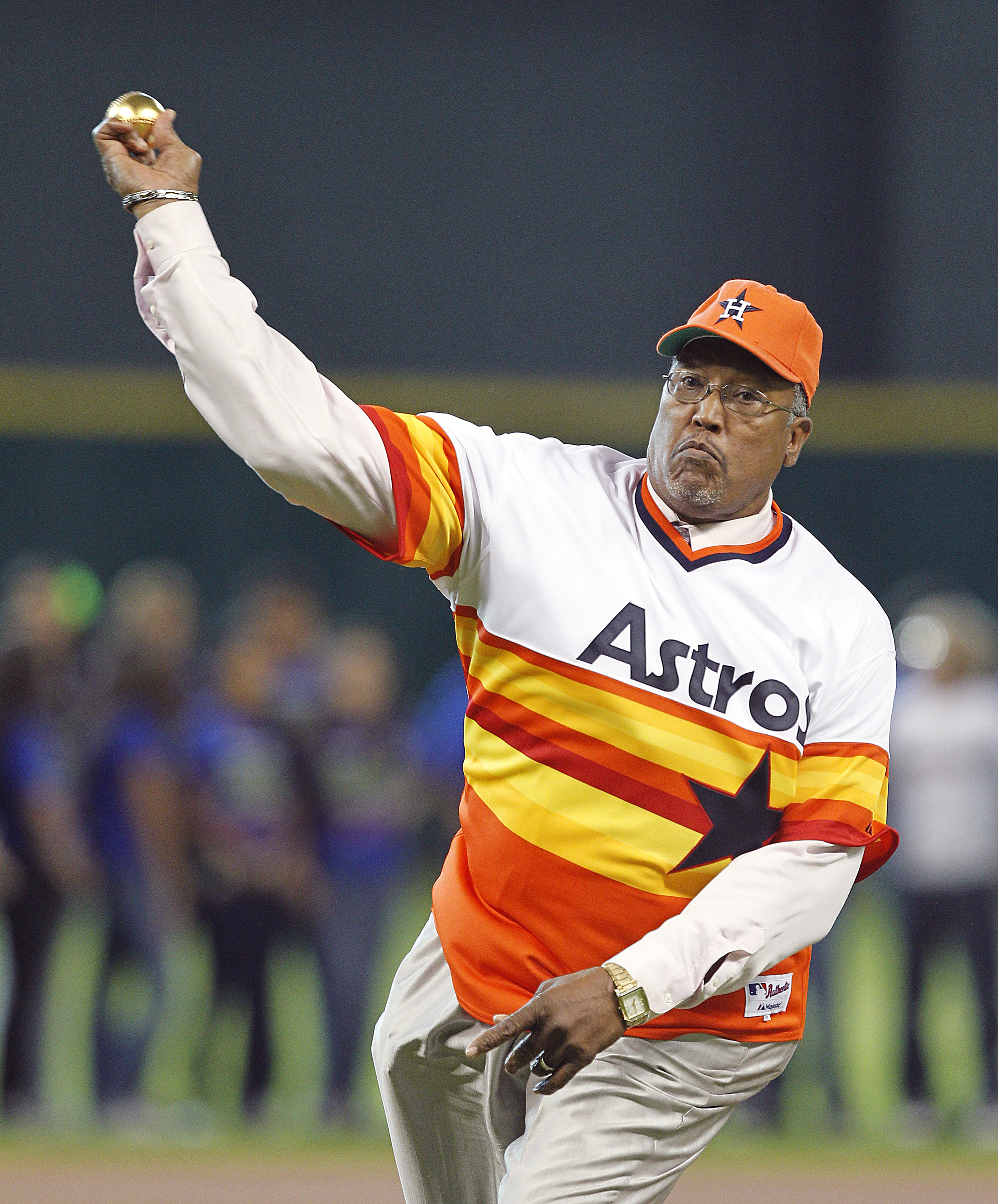 J.R. Richard throwing out the first pitch in 2002.  His 1979 season was one of the most dominant ever thrown by an Astros pitcher.