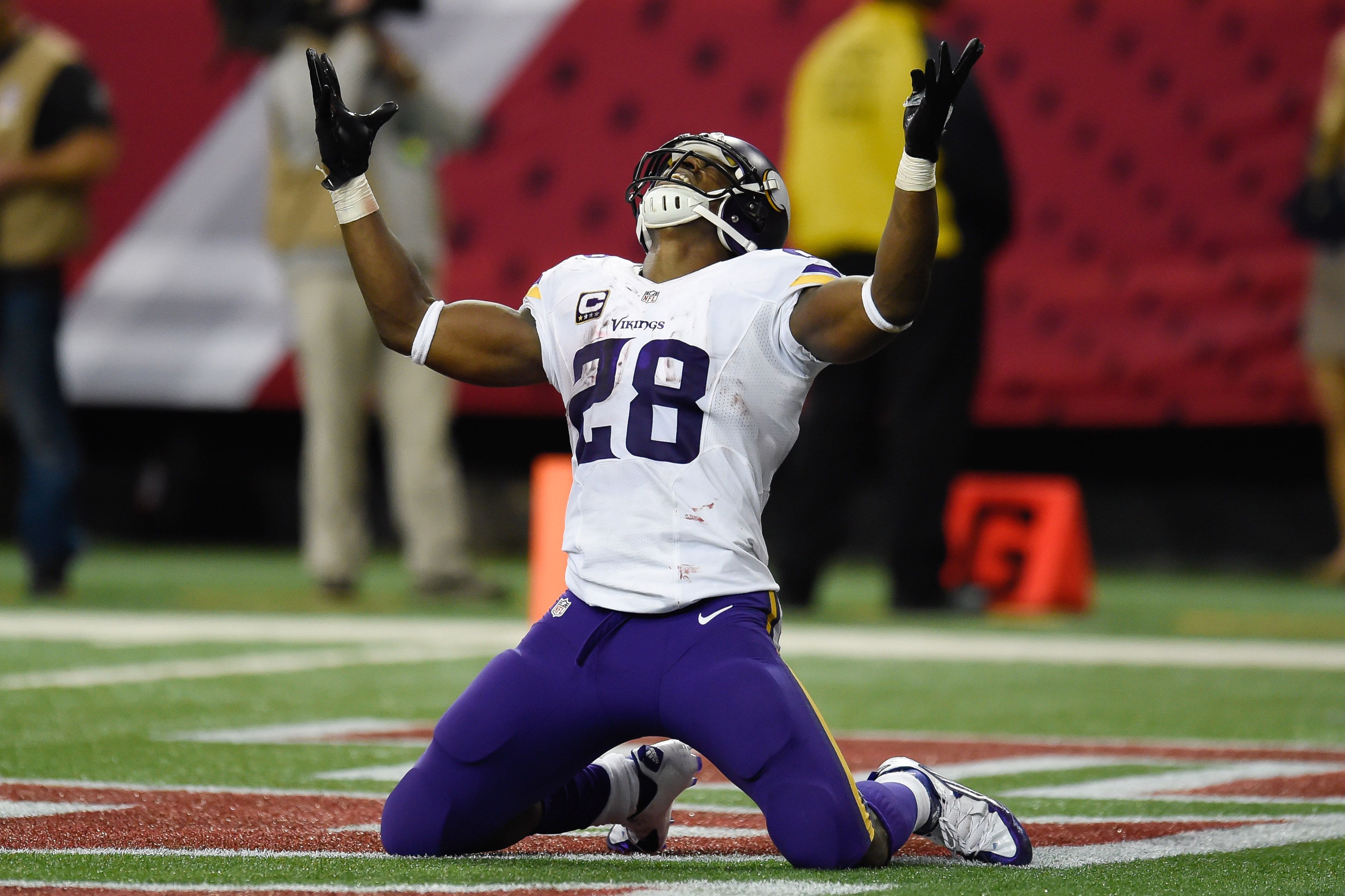 Pictured: Adrian Peterson looks at the teams above the Vikings in the NFC North standings. There's nobody there.