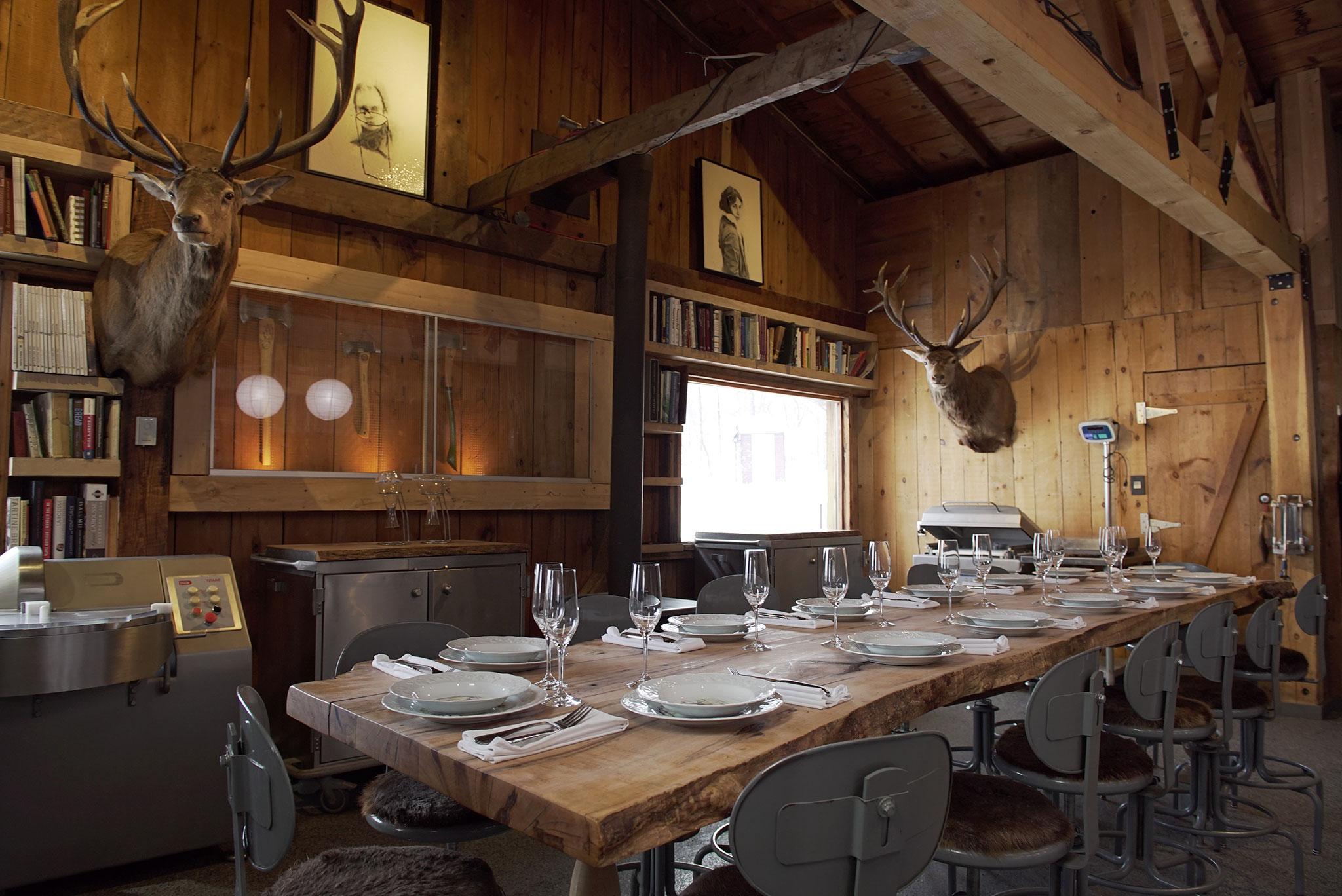 Inside Cabane à Sucre Au Pied de Cochon
