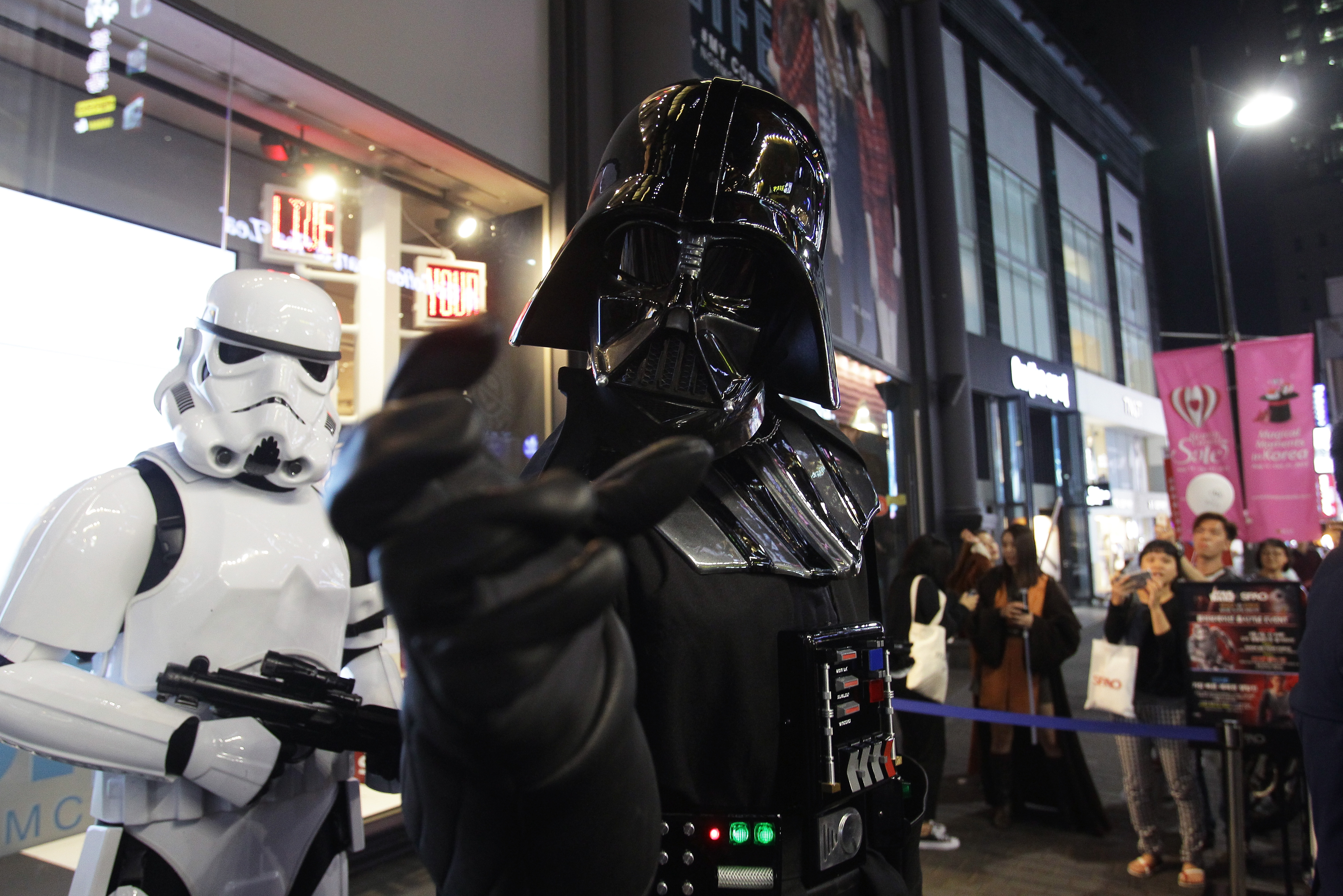 """""""Star Wars"""" has a hold on Chicago restaurants."""