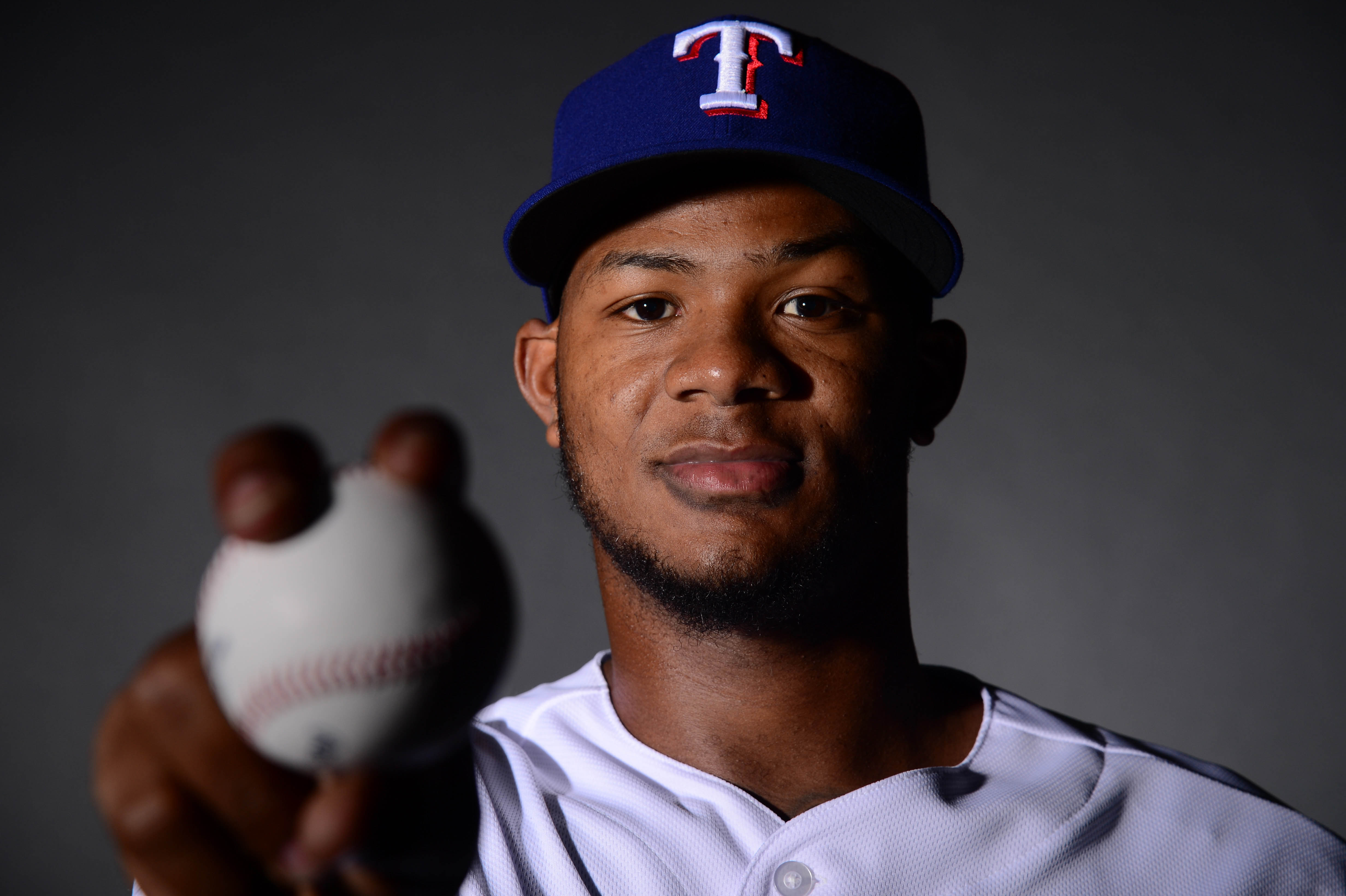 Lisalverto Bonilla will be rehabbing in Dodgers major league camp during spring training at Camelback Ranch in 2016.