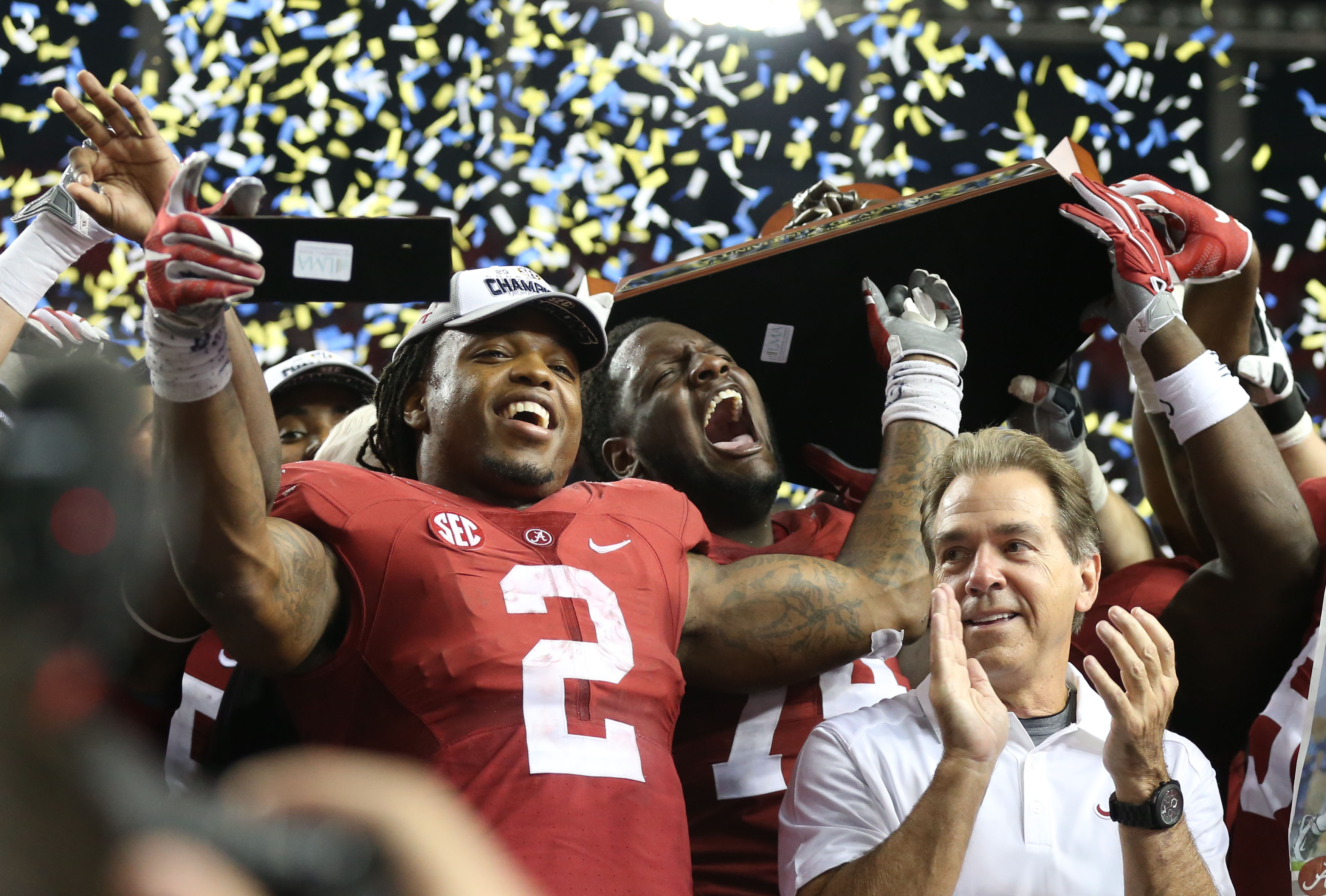 Derrick Henry and the punter who hates running win college football awards night
