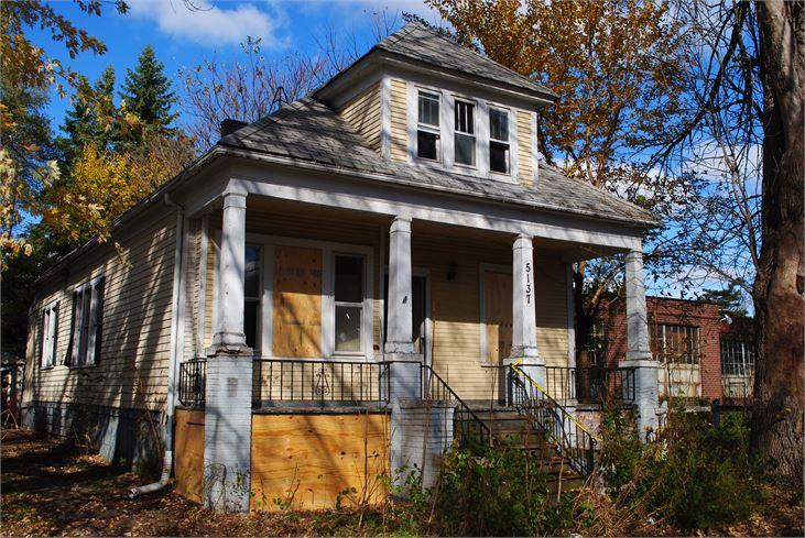 "Photos via <a href=""http://auctions.buildingdetroit.org/Listing/Details/968421/5137-Prescott""> the Detroit Land Bank and Realtor.com</a><br>"
