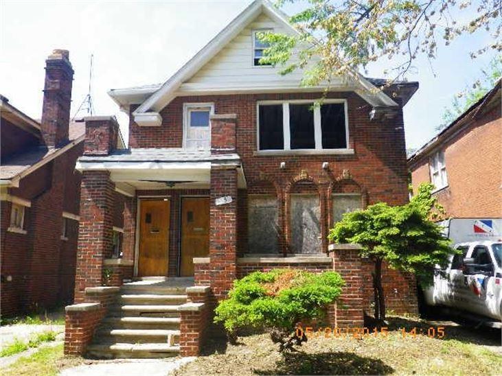 """Photo via<a href=""""http://auctions.buildingdetroit.org/Listing/Details/1789754/4852-Cortland"""">Building Detroit</a>"""