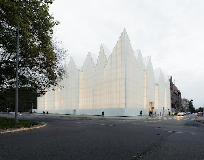"All photos by Simon Menges via <a href=""http://miesarch.com/portal/site/miesarch/work-detail"">European Union Prize</a>"