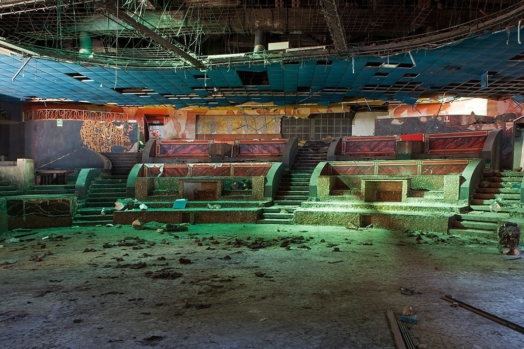 """↑ Expo Discotheque, in Vincenza, Italy <a href=""""http://curbed.com/archives/2014/09/30/abandonment-issues-9.php"""">[link]</a>"""