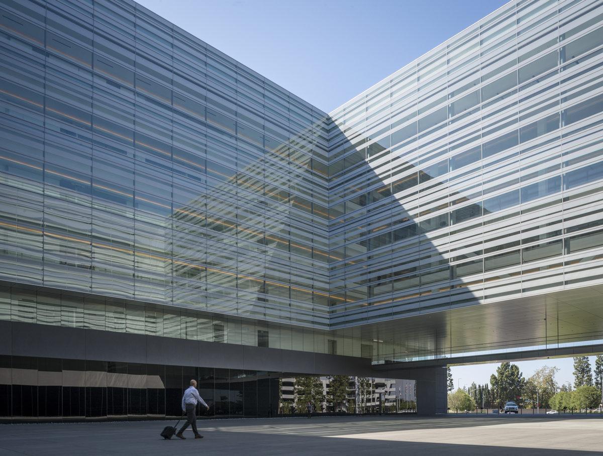 "↑ Hyundai Motor America Headquarters [<a href=""http://www.gensler.com/"">Gensler</a>]"