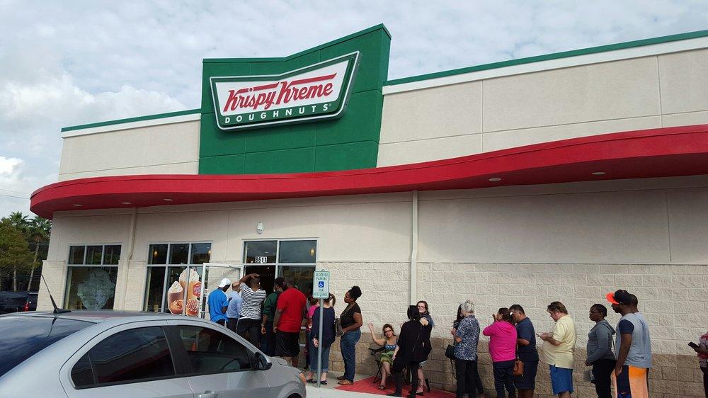 Line outside Krispy Kreme Houston