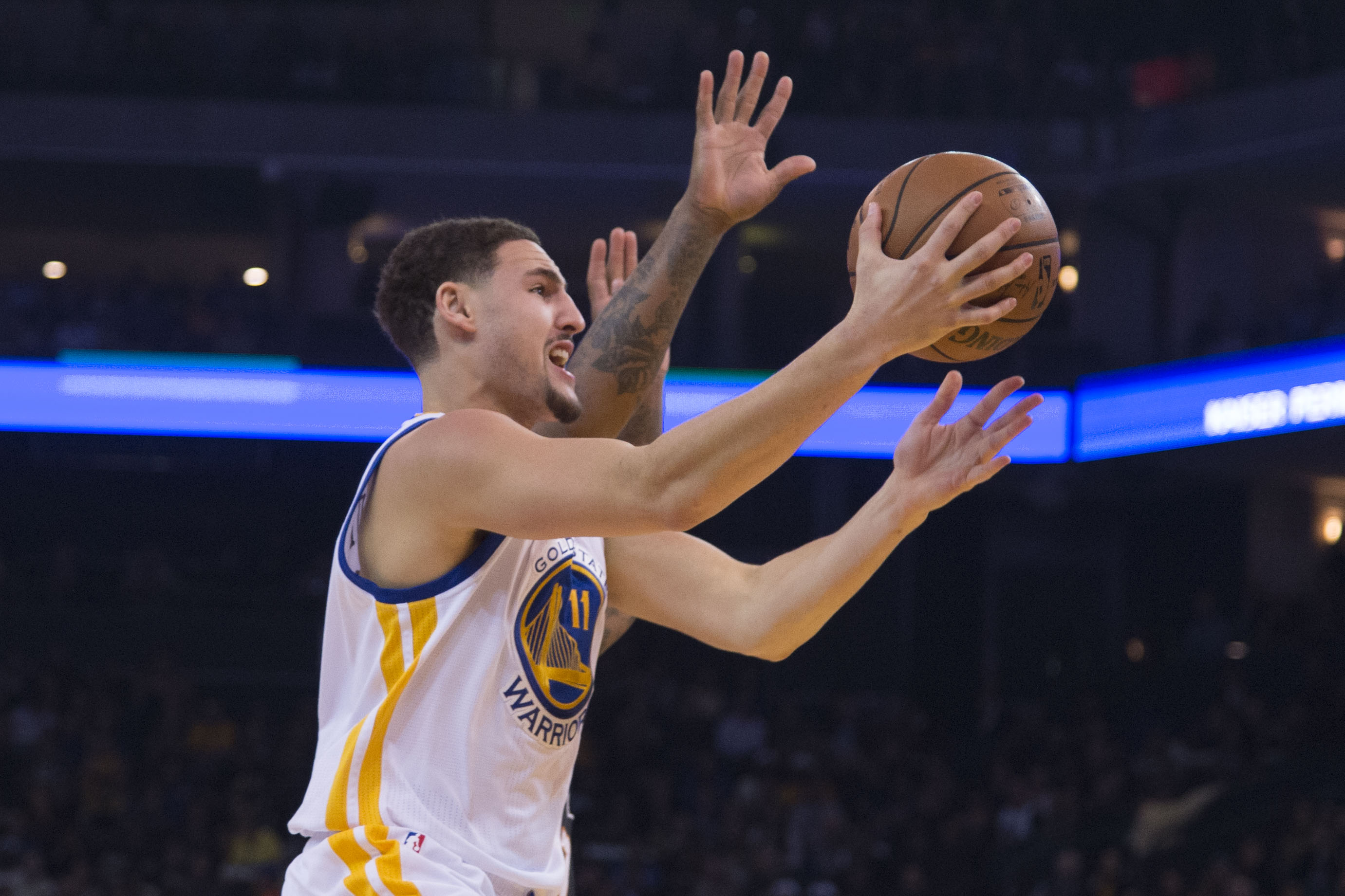 NBA scores 2015: The Warriors are back to crushing everything in their path