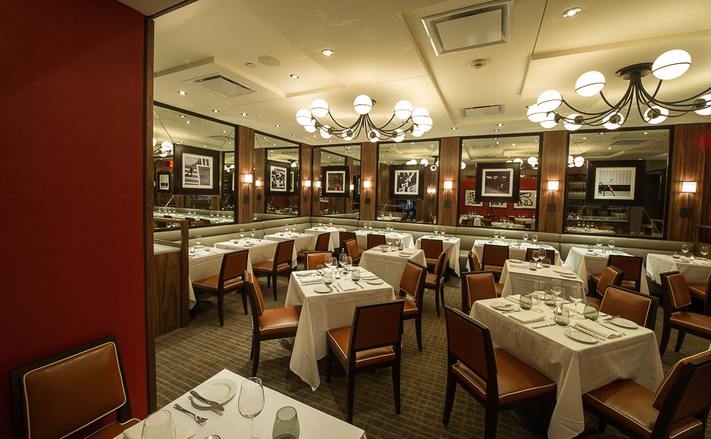 [The dining room at db Bistro Modern in Midtown]