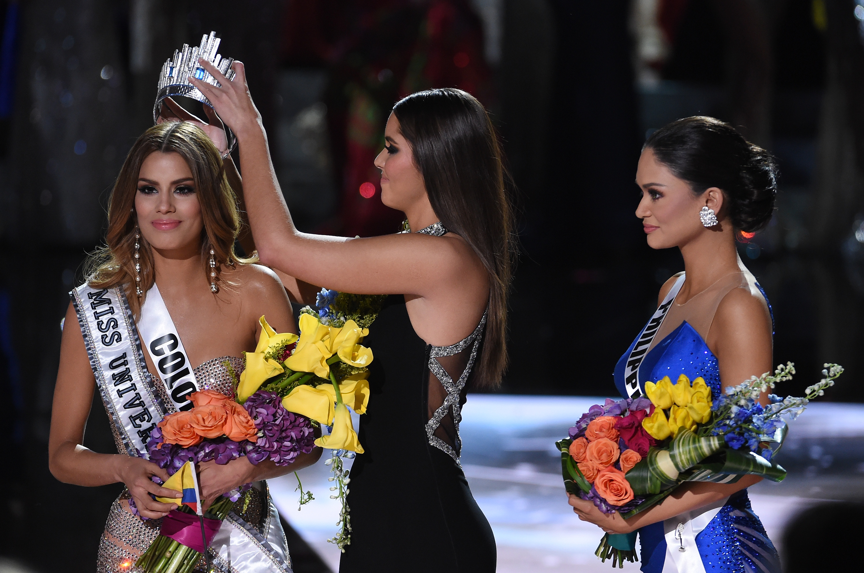 Steve Harvey Announces Wrong Name at Miss Universe, World Cringes