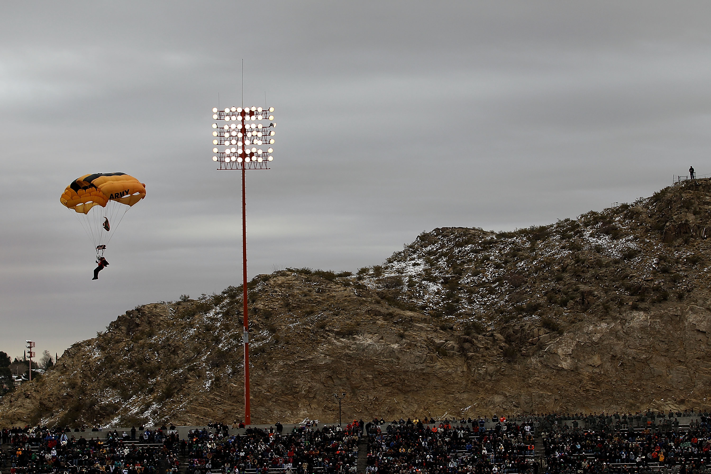 THE SUN BOWL IS BEST ENJOYED WHILST FALLING FROM THE SKY