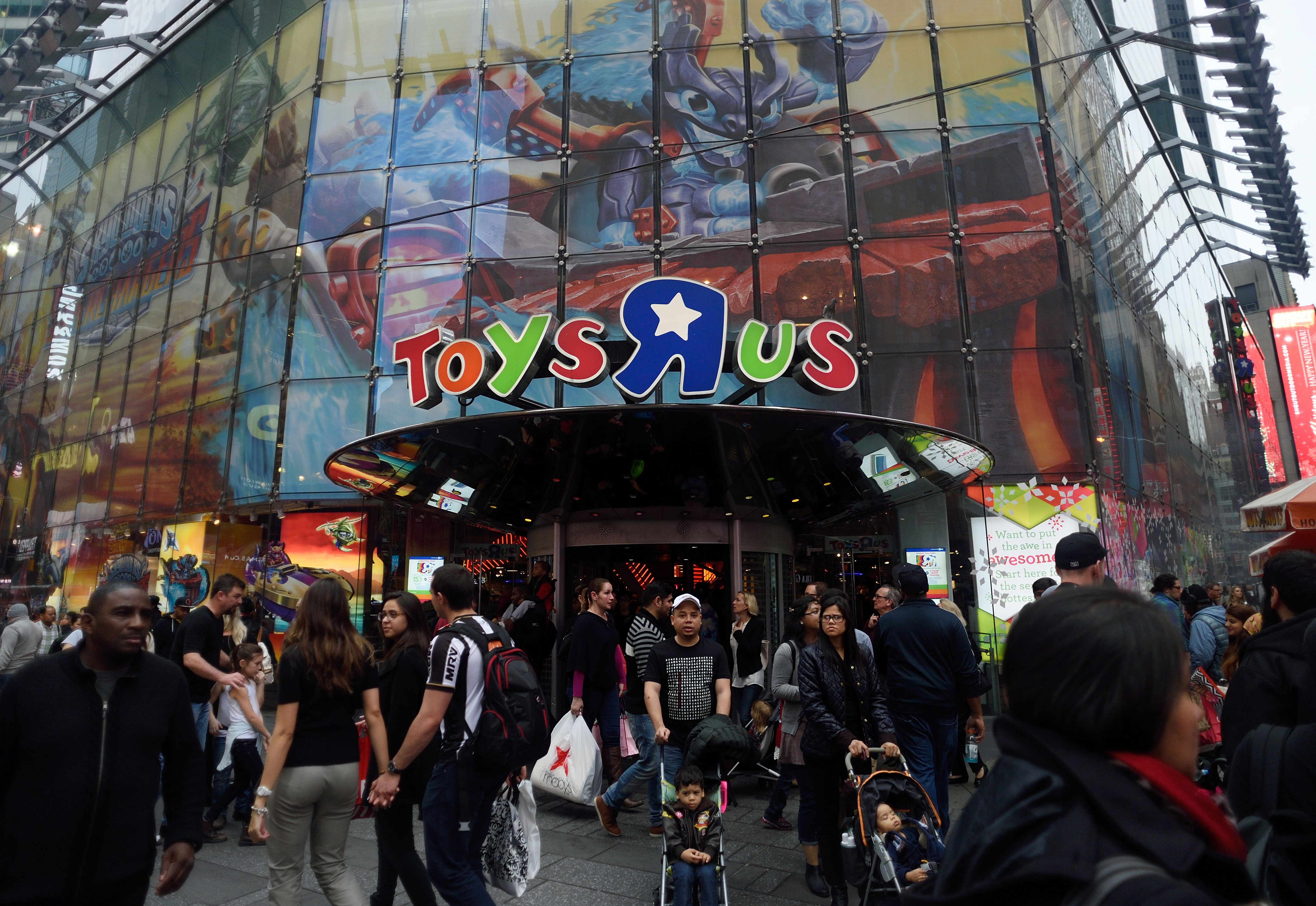 Toys 'R' Us, Closing Today, Is a Sad Shell of Its Former Self