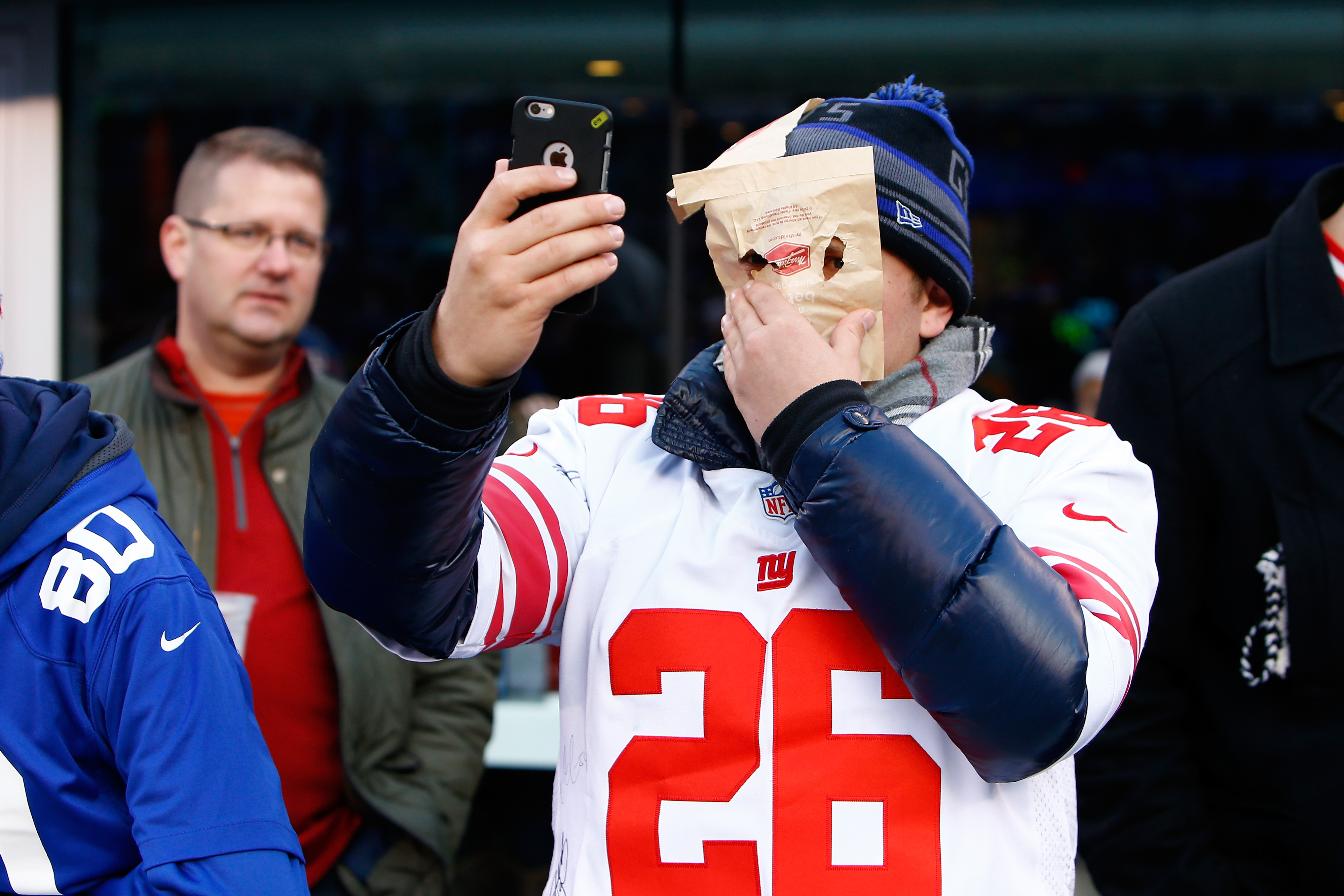 Bag in front of the face selfies? Is it really this bad for Giants fans?