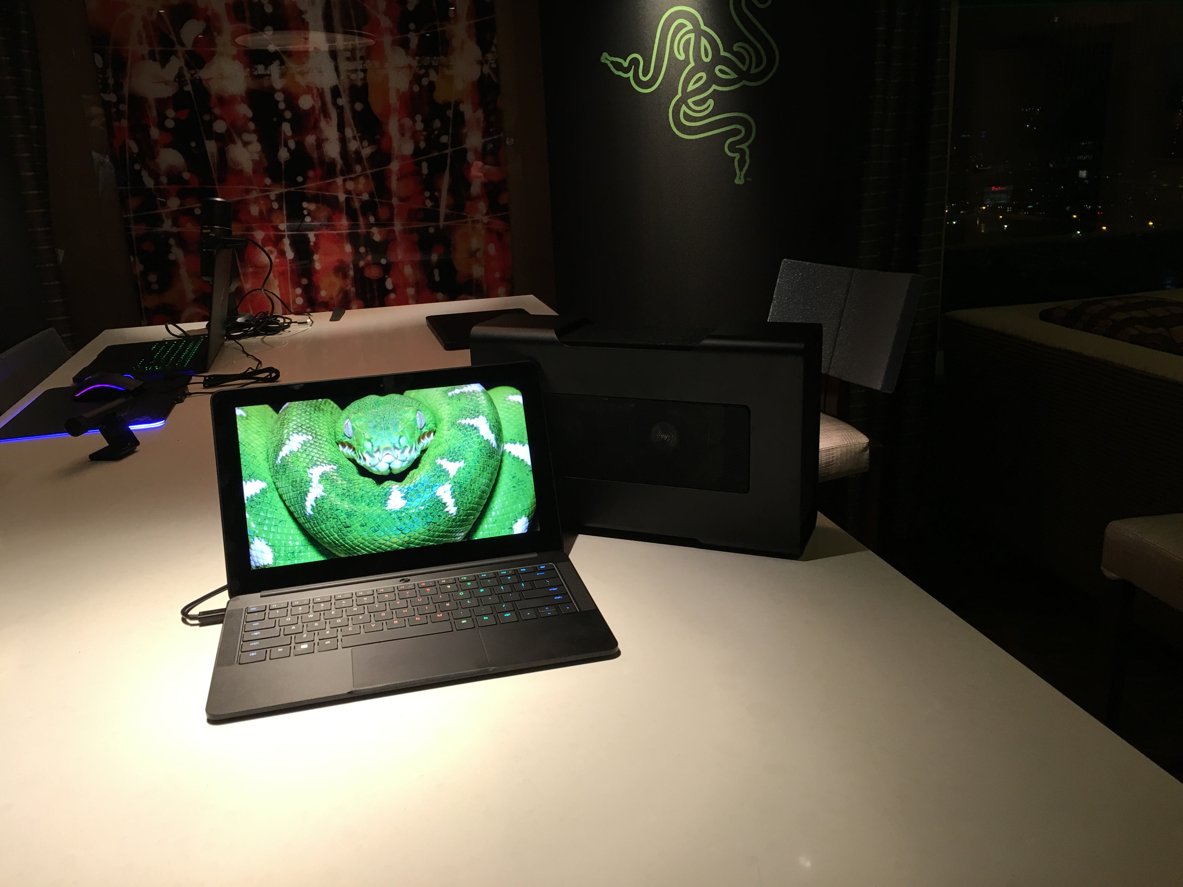 Hands-on with Razer's surprise of CES: An affordable, beautiful ultrabook