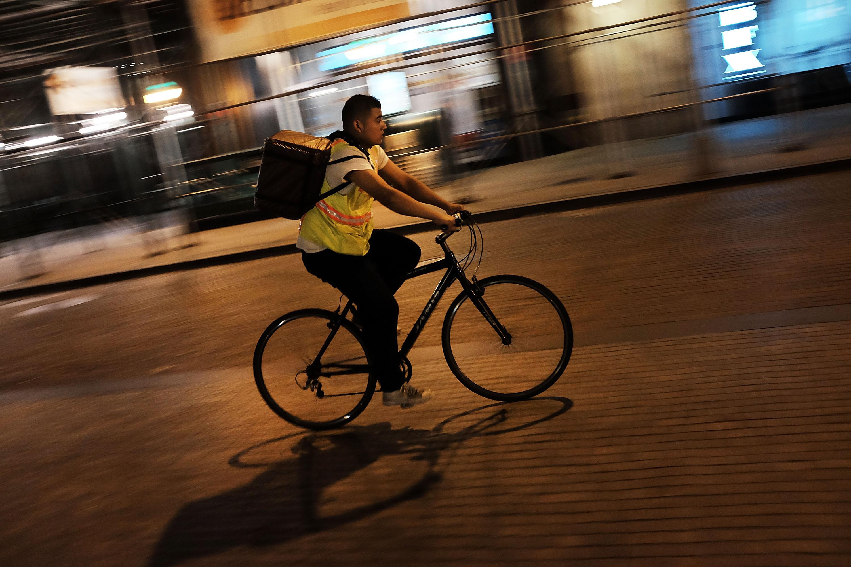 UWS Residents Claim Seamless/GrubHub Workers Are Violating City Regulations