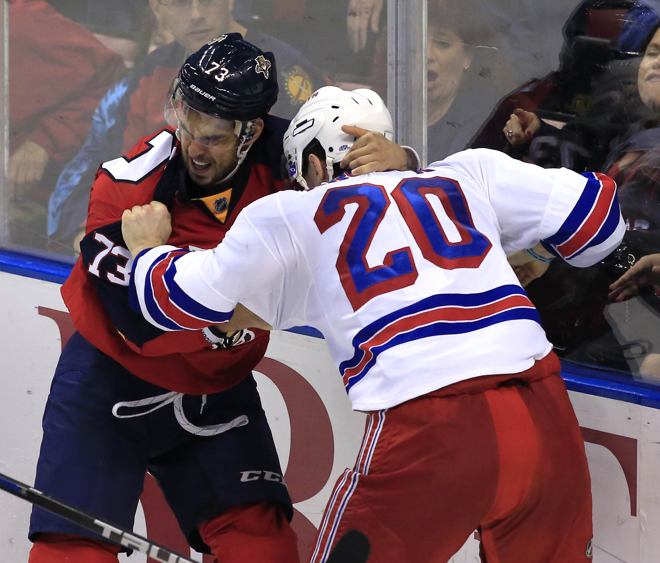 Here is a picture of Pirri fighting, so that everyone will love him more.