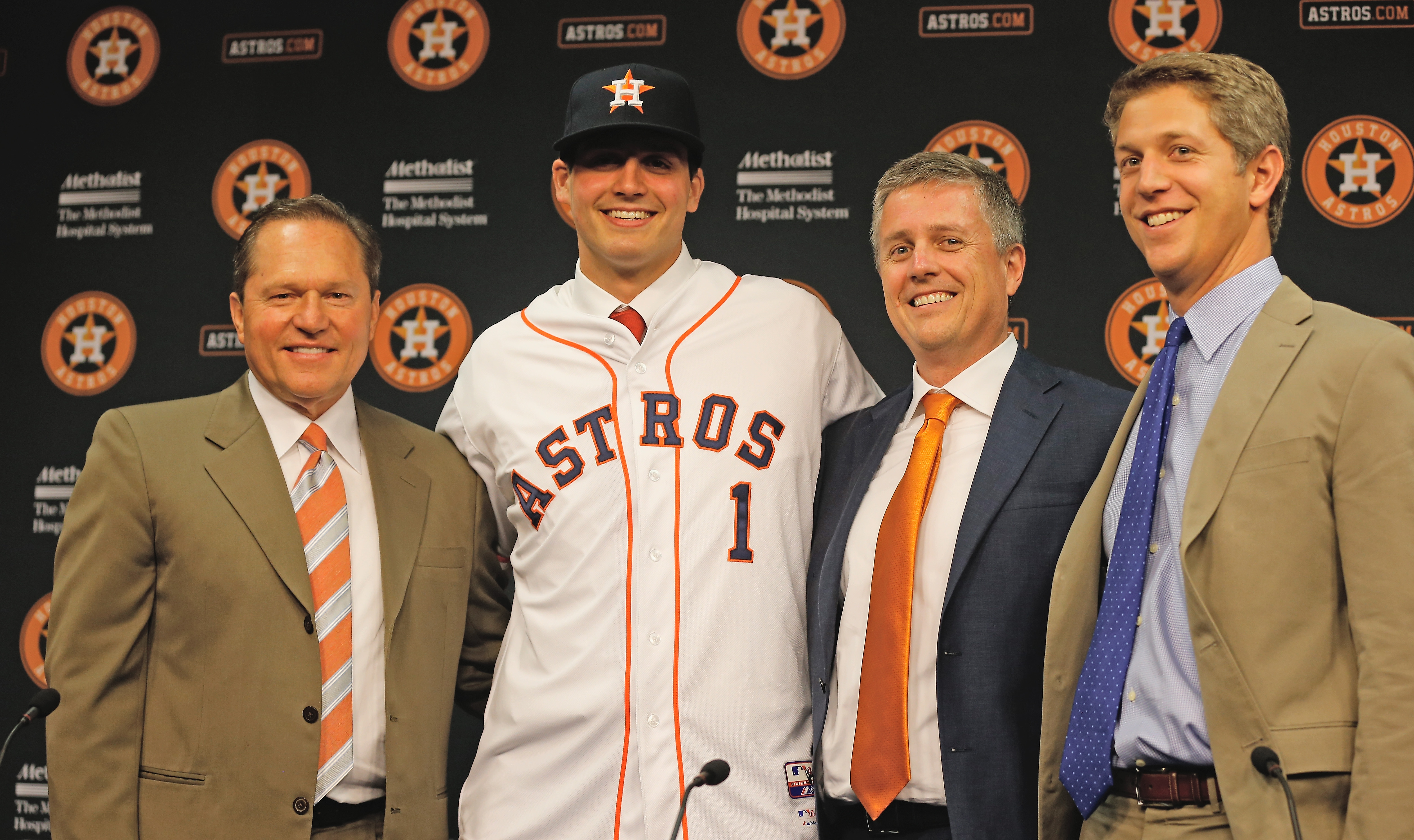 Mike Elias (pictured) and Quinton McCracken sat down with bloggers to discuss all things Astros baseball at Fan Fest