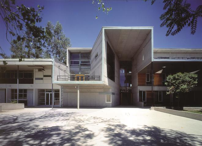 Mathematics School, Universidad Católica de Chile (Santiago, Chile, 1999)—Photo by Tadeuz Jalocha courtesy of Elemental