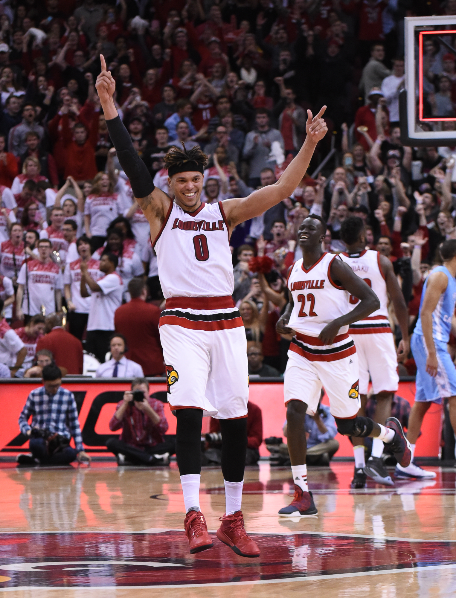 Damion Lee Celebrates the win over UNC