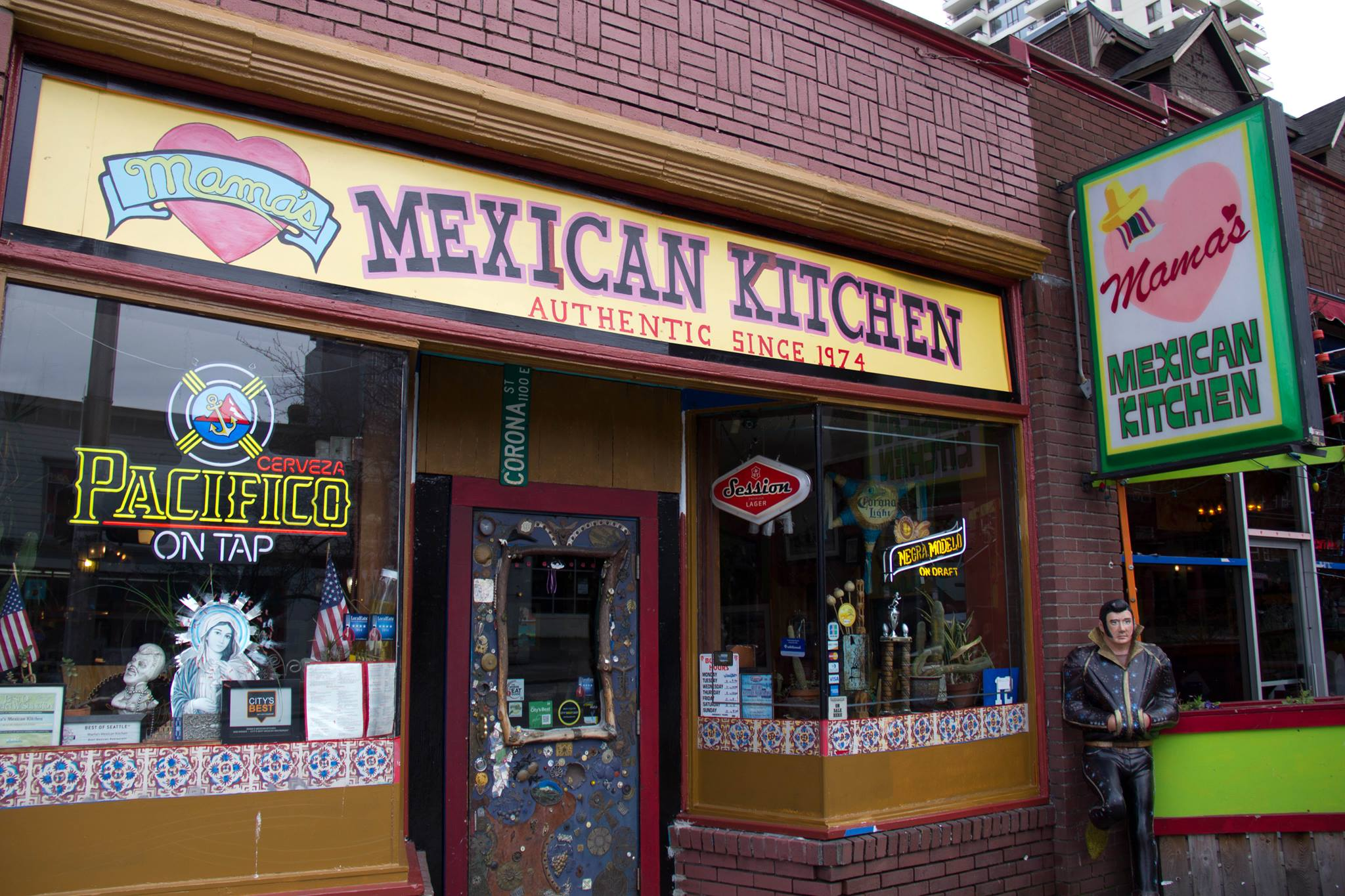 Mama's Mexican Kitchen (and Elvis).