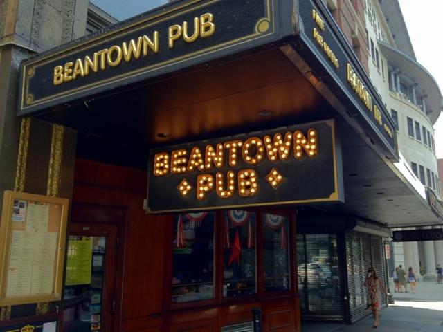 Beantown Pub on Tremont Street