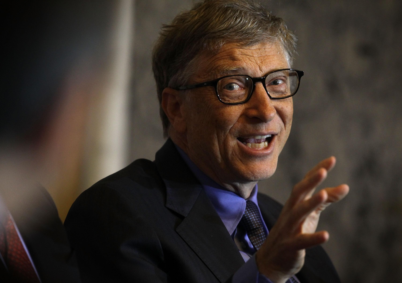Bill Gates says Apple should unlock the San Bernardino iPhone