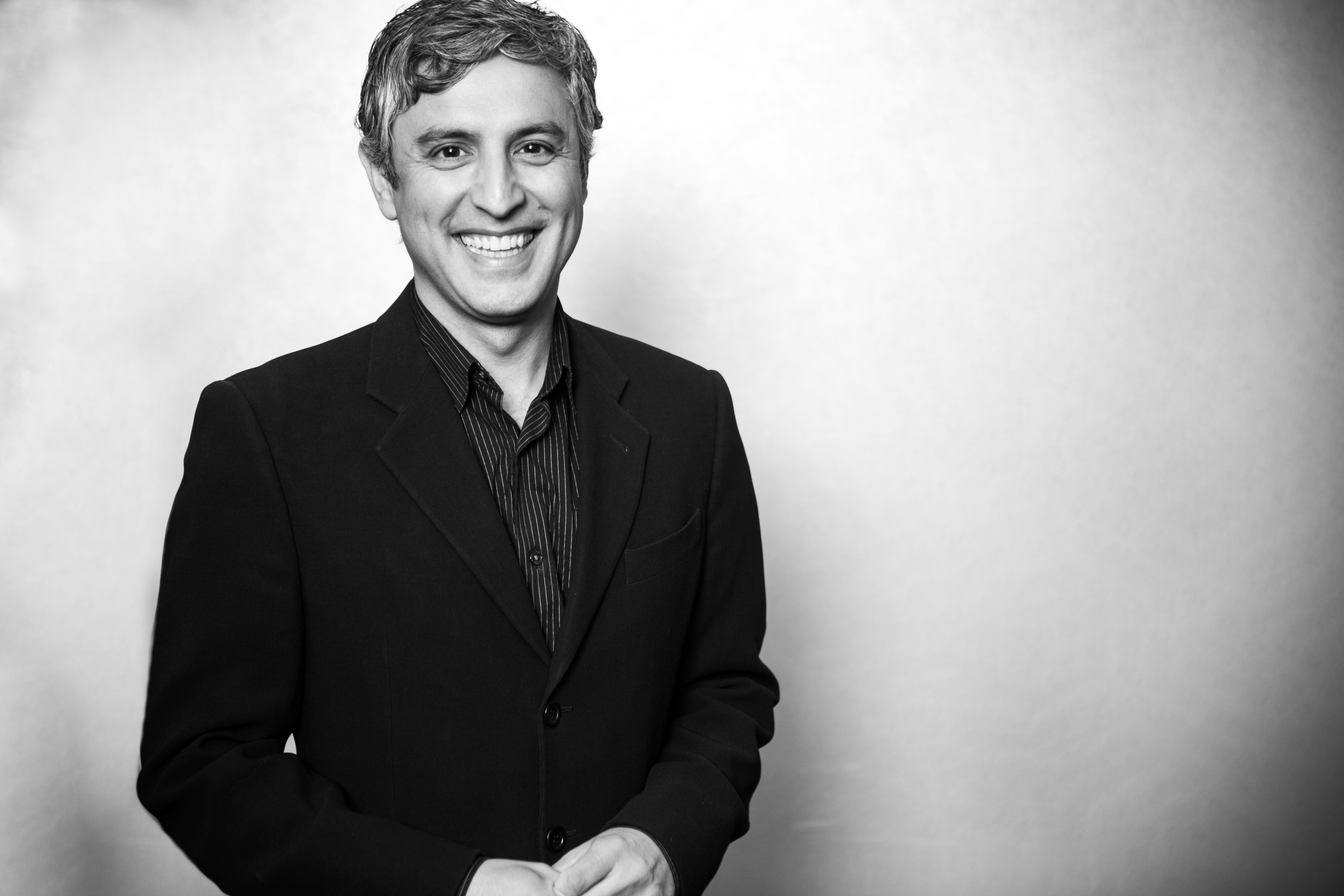 Author Reza Aslan reveals 5 pieces of writing that changed his life