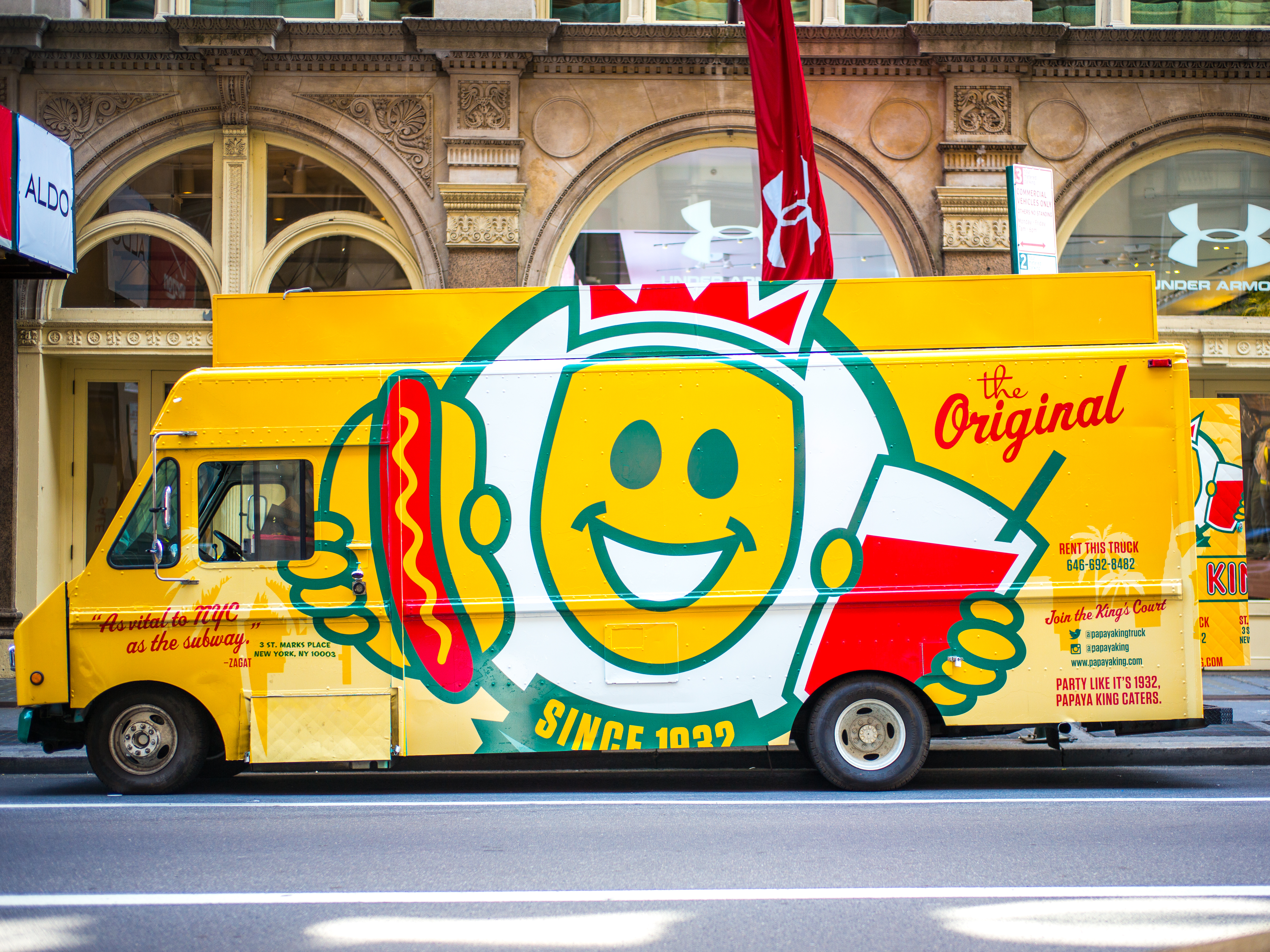 The Papaya King hot dog truck