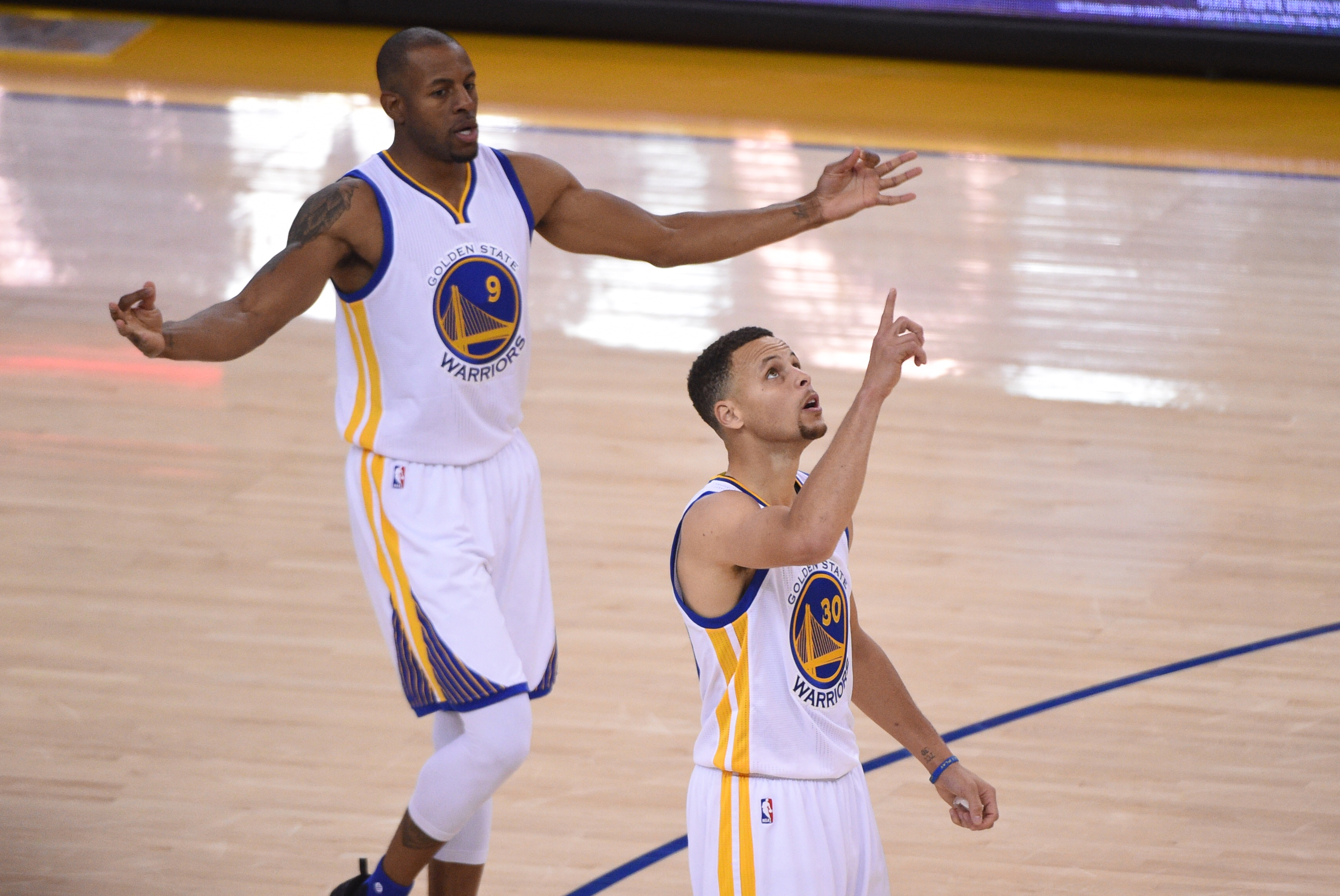 Warriors move past the Bulls with NBA-record 73rd win