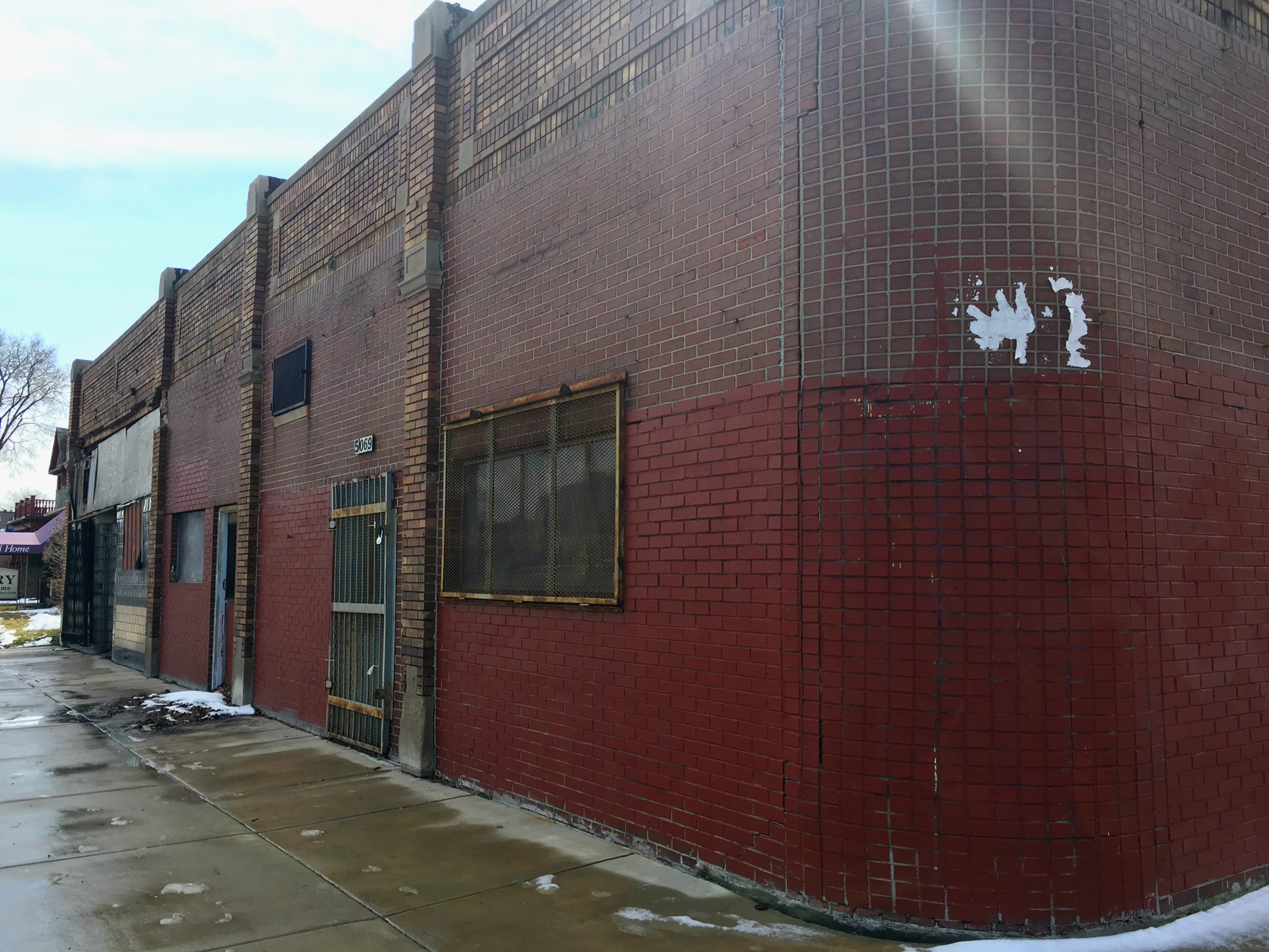 Woodbridge Bikes & Coffee will occupy two spaces in this corner building on Trumbull Avenue.