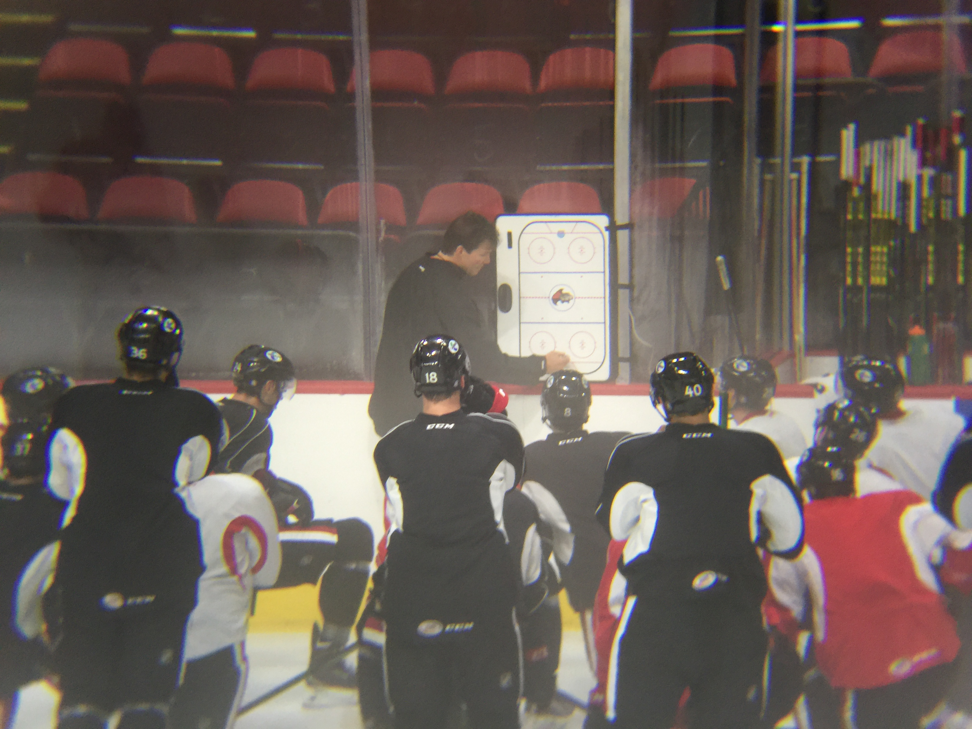Luke Richardson draws up plays during a recent practice on home ice.
