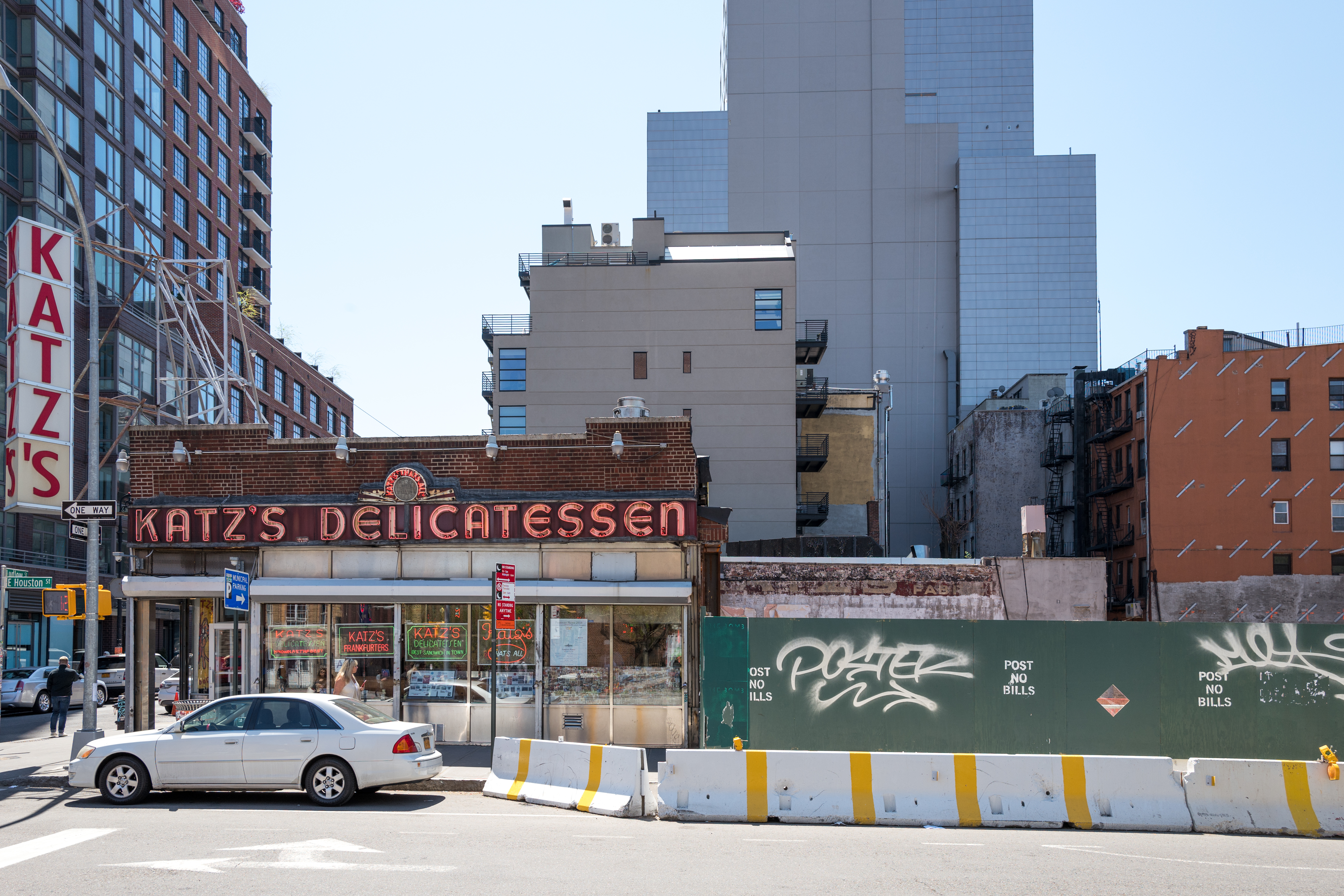 Katzs Cut A 17m Deal With Luxury Developers To Stay In Les Eater Ny