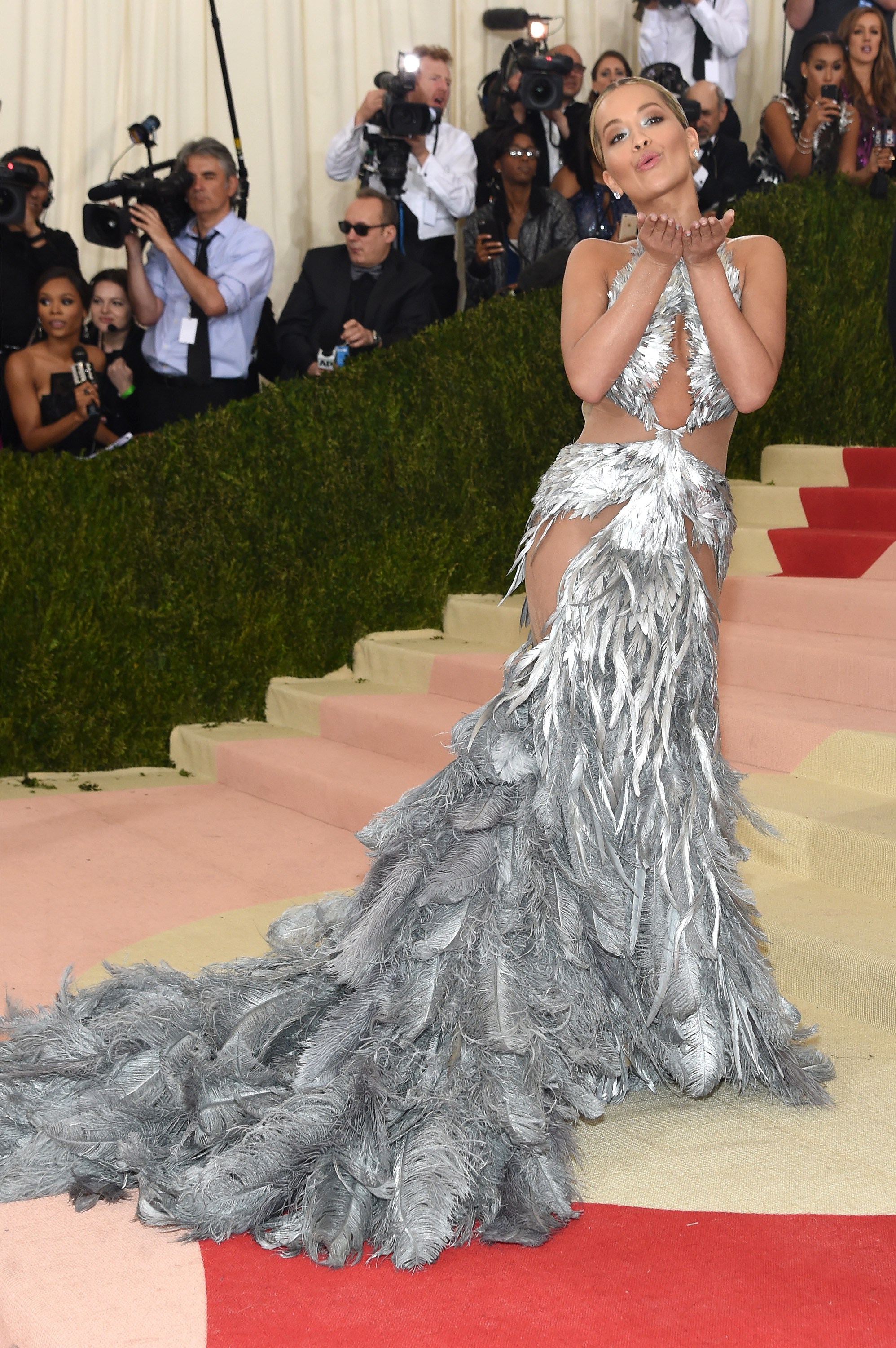 8f443789cd Rita Ora Is Not Becky With the Good Hair, as Her Met Gala Selfie With  Beyoncé Proves